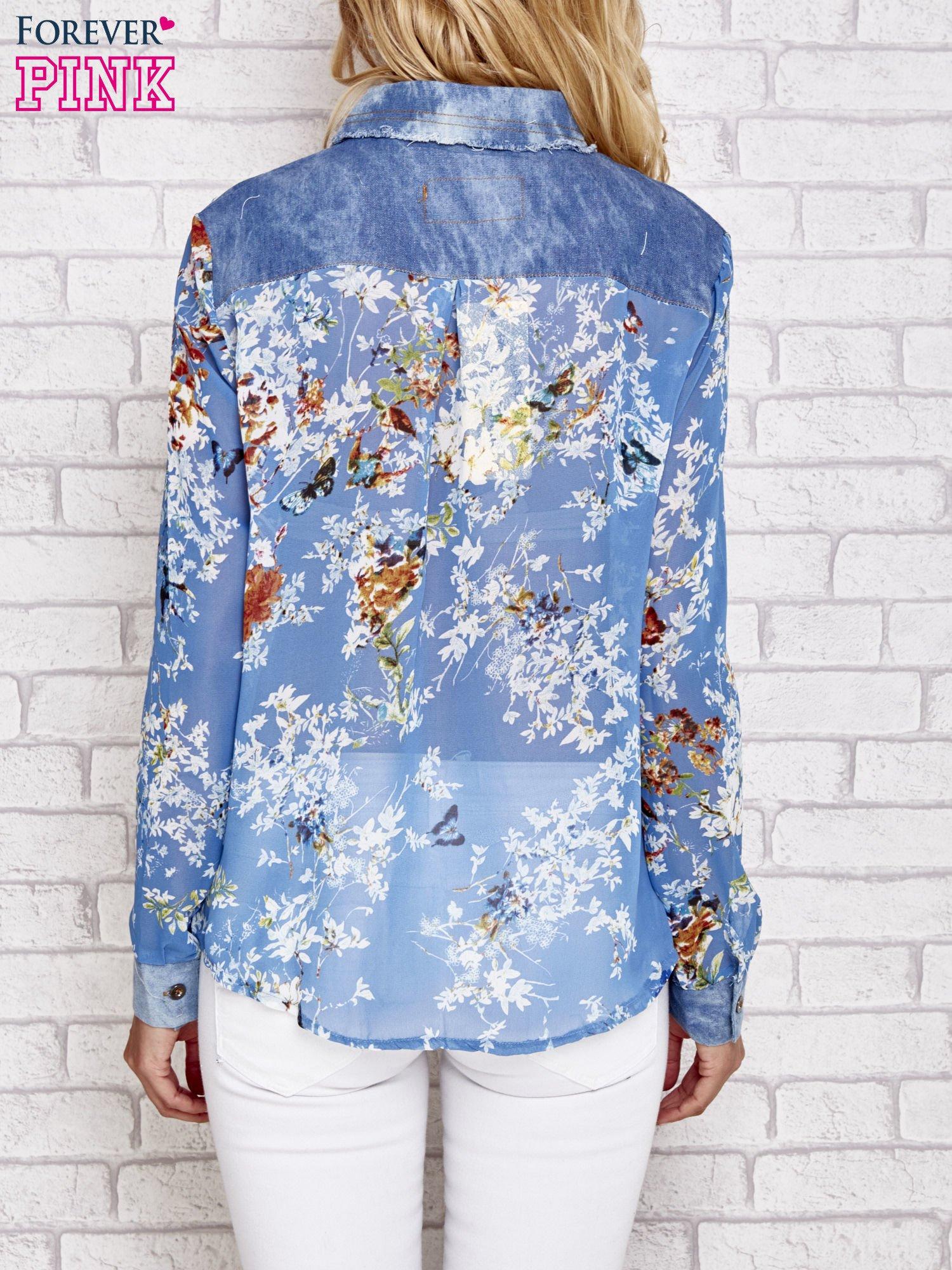 Niebieska koszula w kwiaty ze wstawkami z denimu                                  zdj.                                  4