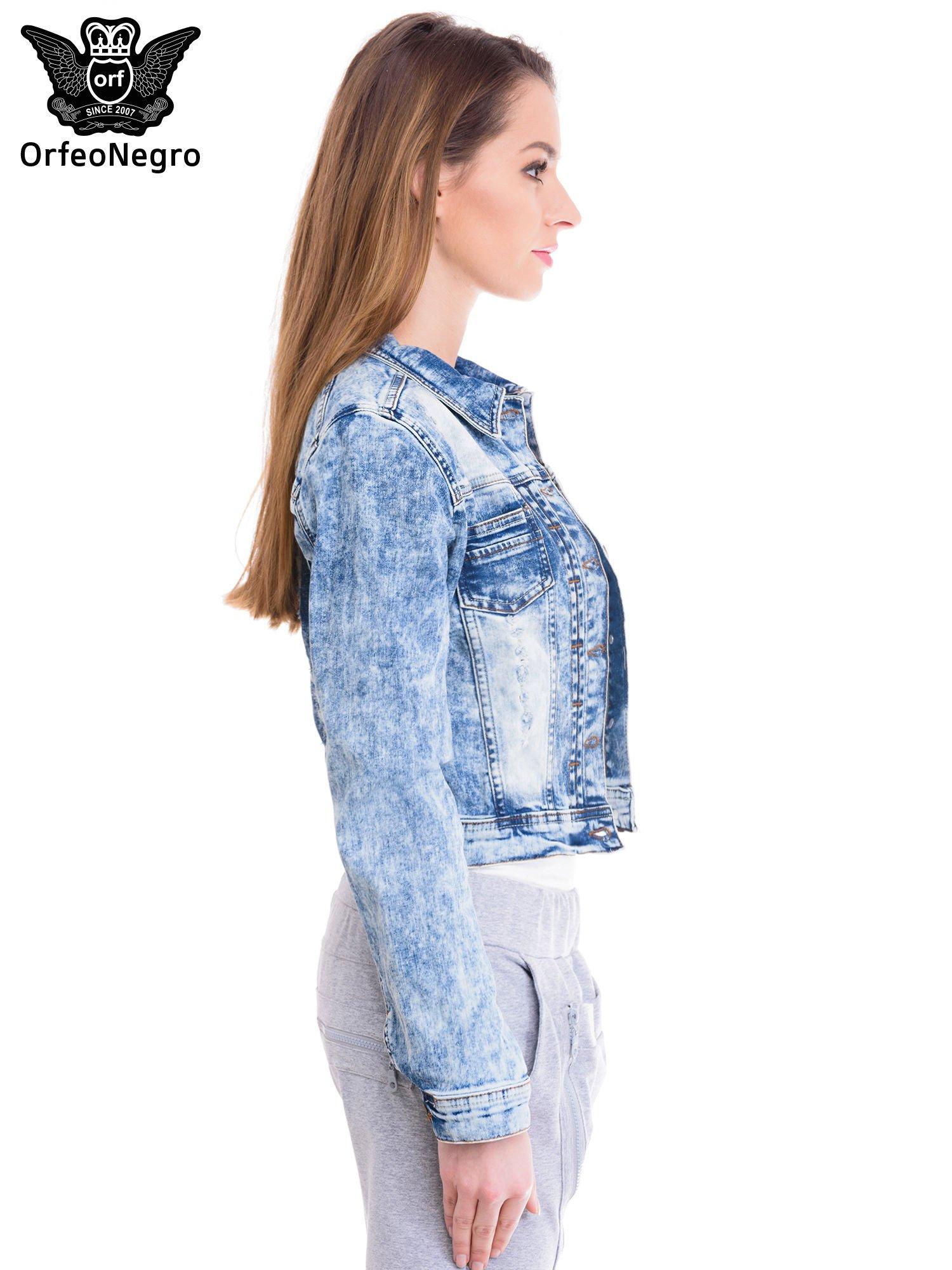 Niebieska kurtka jeansowa damska z marmurkowego denimu                                  zdj.                                  3