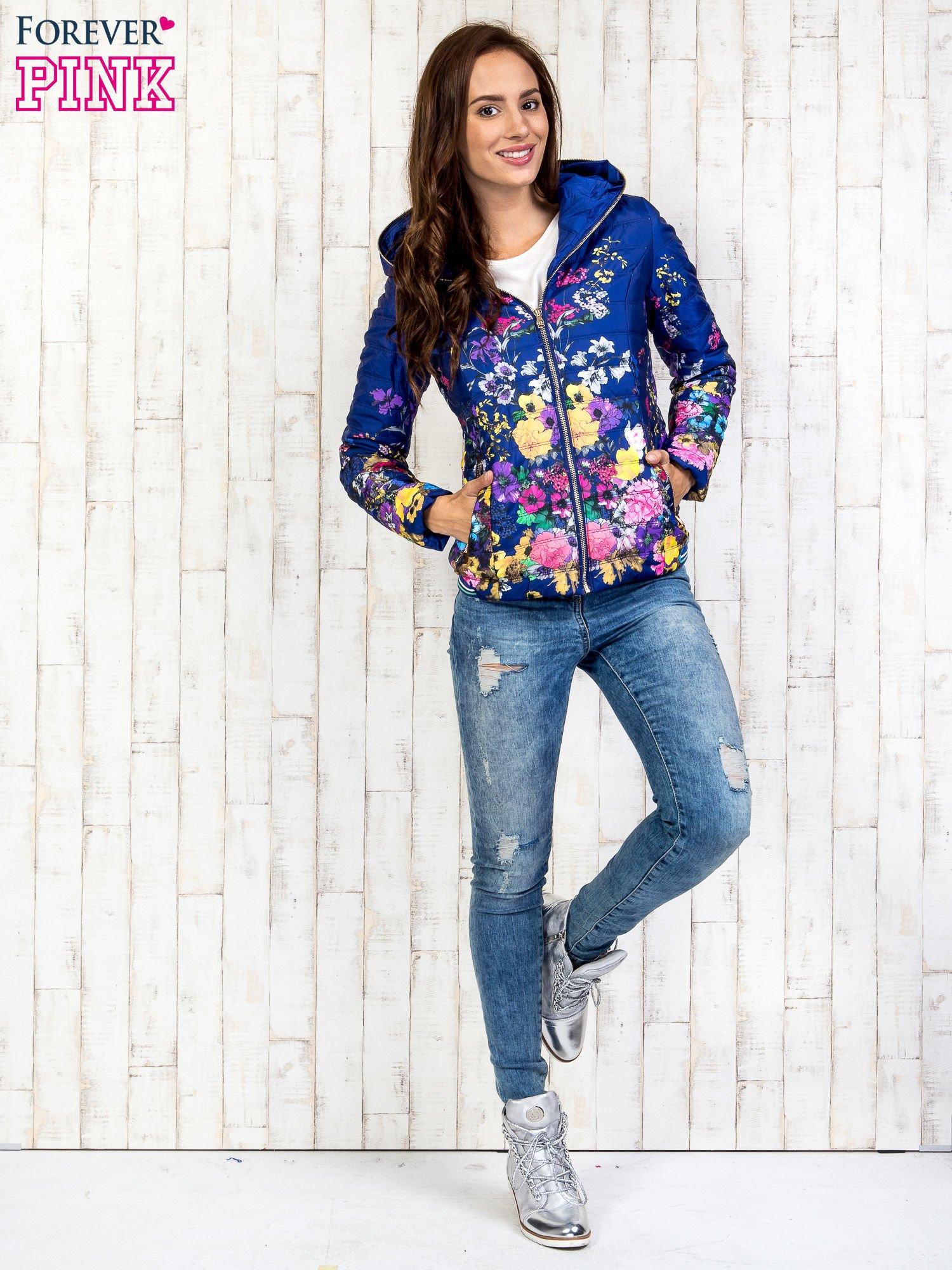 Niebieska kurtka z kwiatowym motywem                                  zdj.                                  6