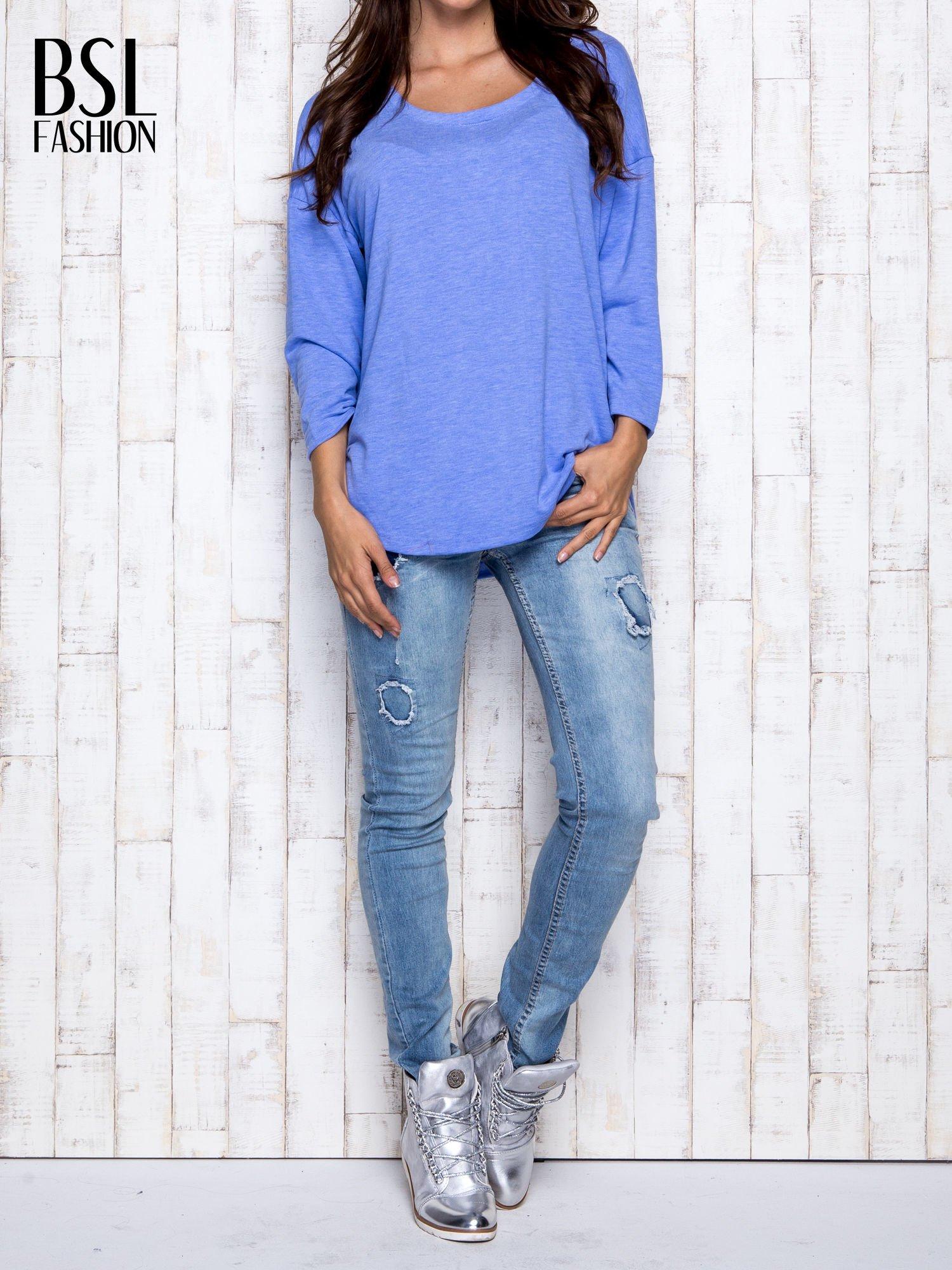 Niebieska melanżowa bluzka z dekoltem na plecach                                  zdj.                                  7