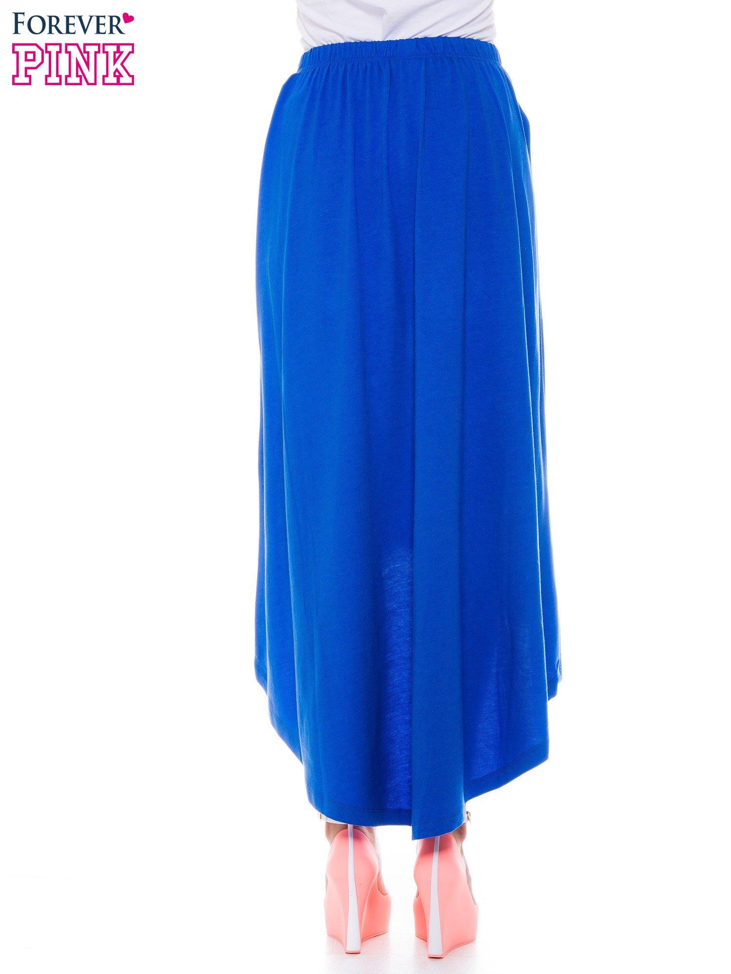 Niebieska zwiewna spódnica z dłuższym tyłem                                  zdj.                                  3
