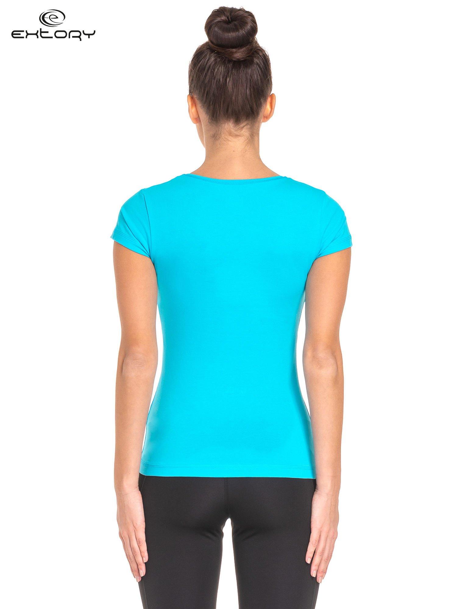 Niebieski jednolity t-shirt sportowy                                  zdj.                                  3