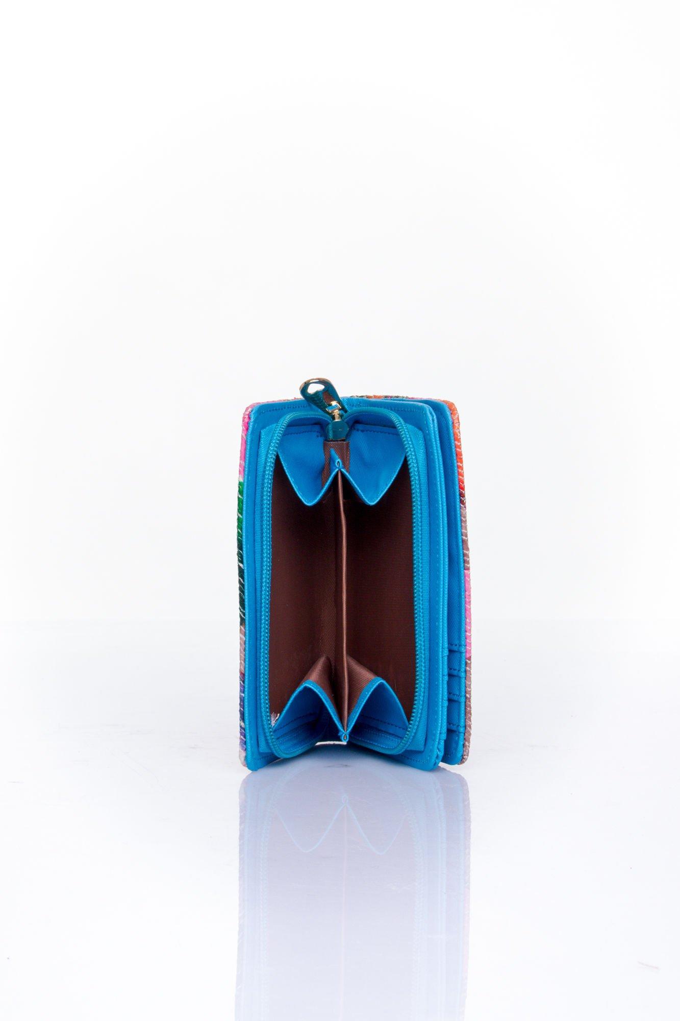 Niebieski portfel z kwiatowym nadrukiem                                  zdj.                                  5