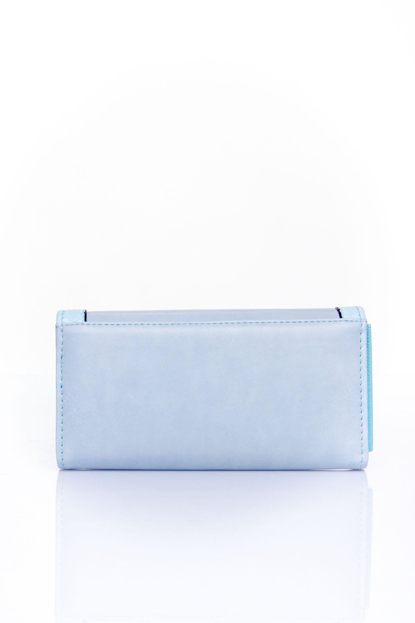 Niebieski portfel z motywem skóry aligatora                                  zdj.                                  2