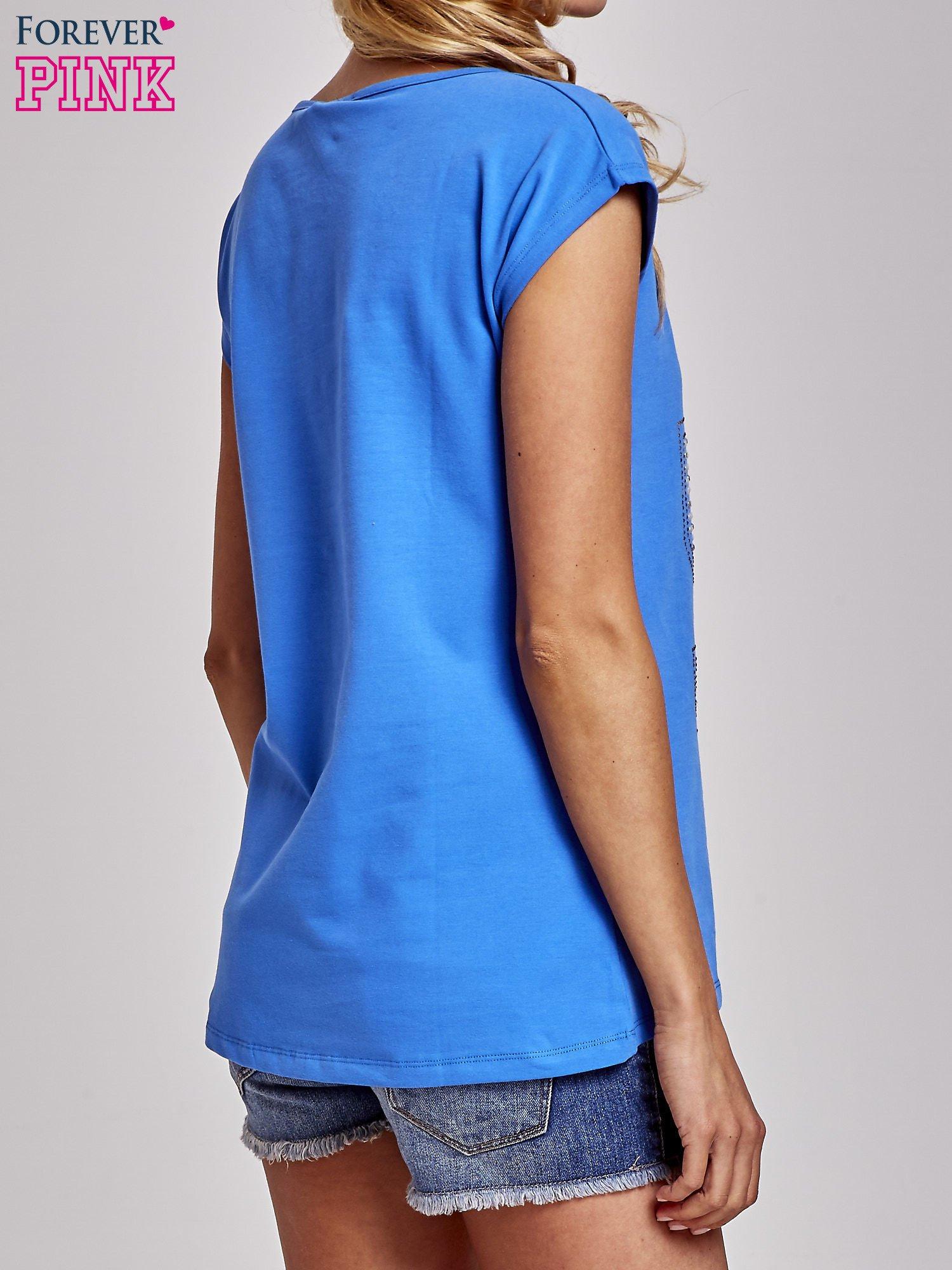 Niebieski t-shirt z numerem 58 z dżetów                                  zdj.                                  4