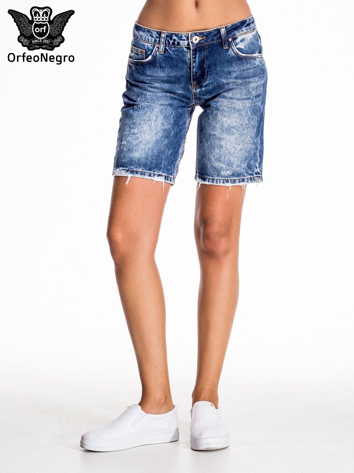 Niebieskie jeansowe szorty z dłuższą nogawką                                  zdj.                                  3