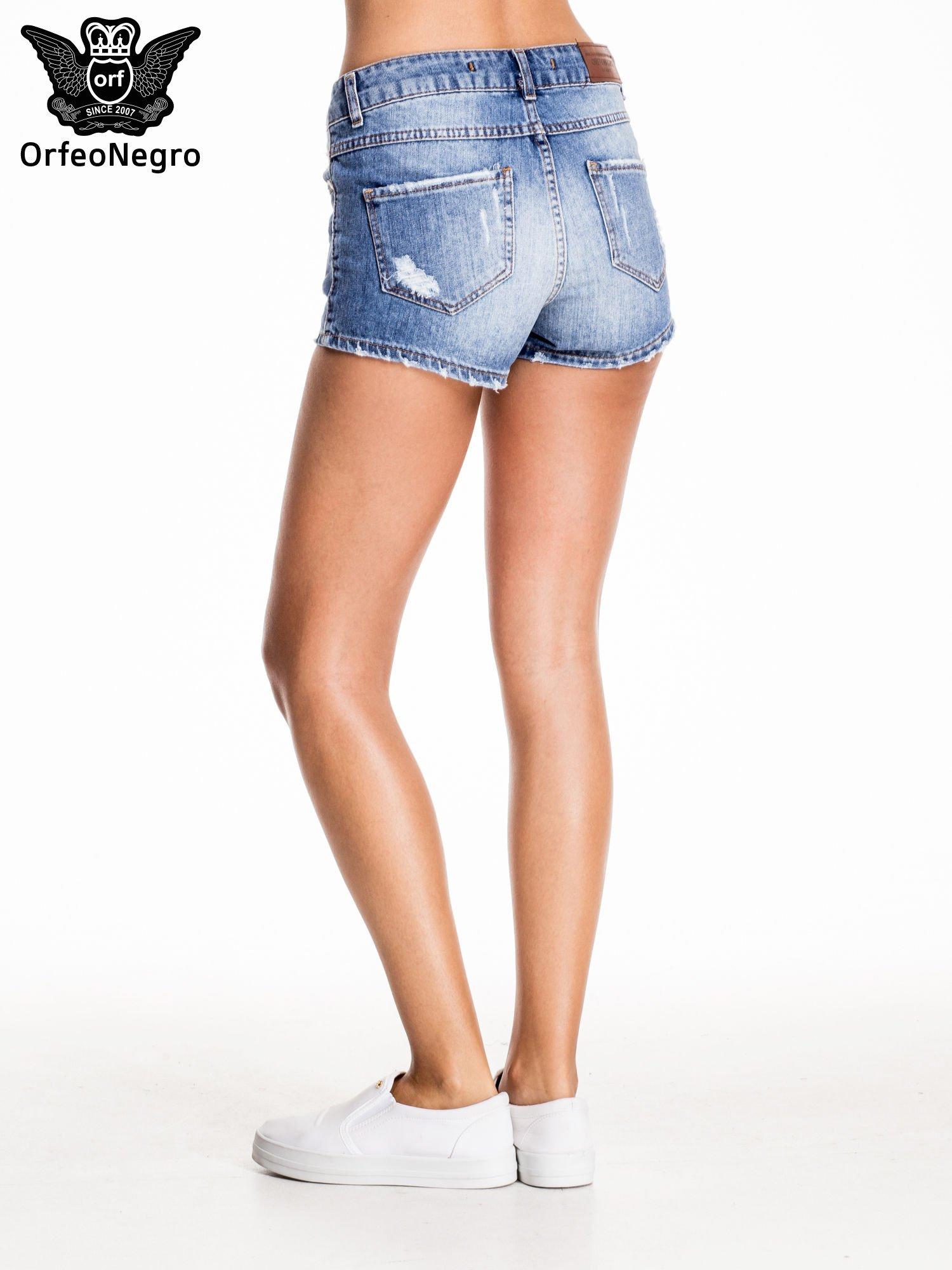 Niebieskie jeansowe szorty z wytarciami                                  zdj.                                  4