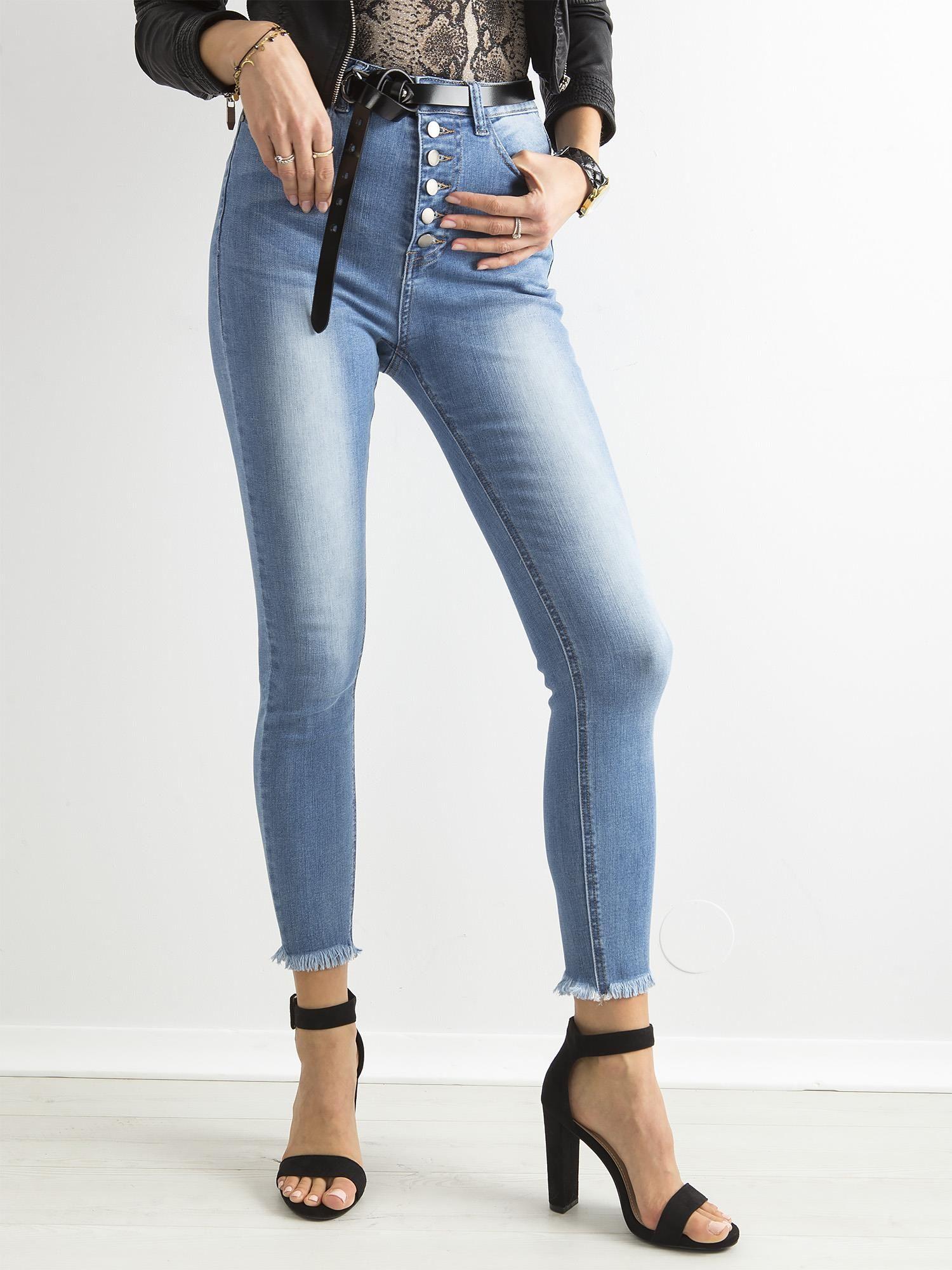 f72ed99fa01cf7 Niebieskie przecierane jeansy z wysokim stanem i guzikami - Spodnie ...