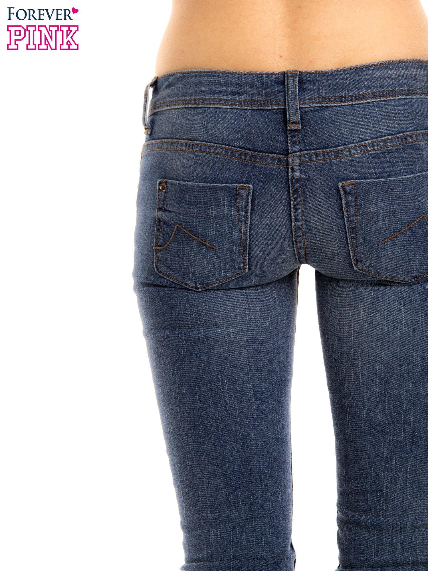Niebieskie rurki skinny jeans                                  zdj.                                  5