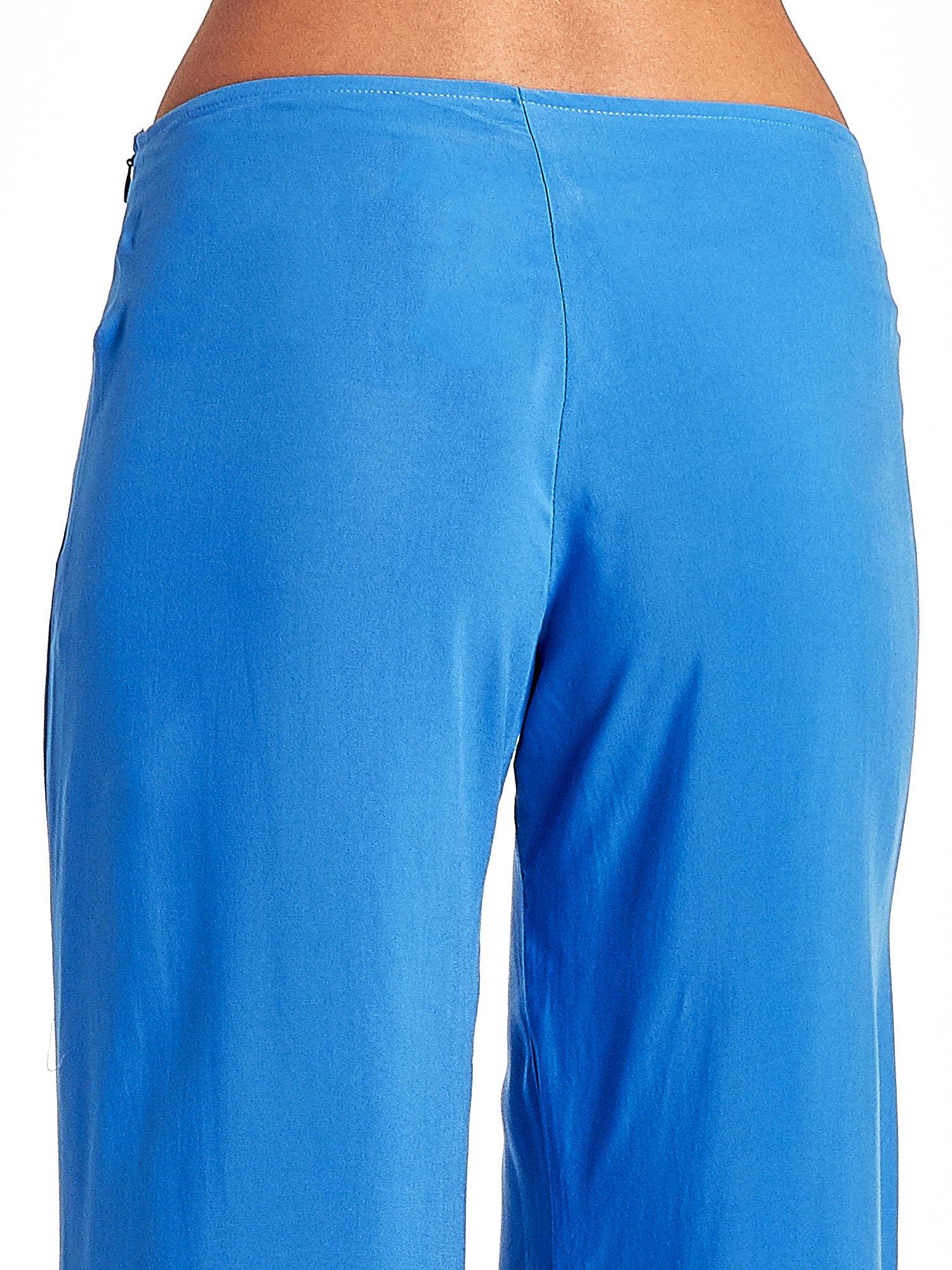 Niebieskie szerokie dzwony culottes z rozcięciami                                  zdj.                                  7