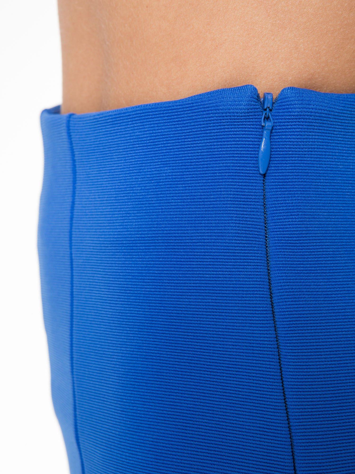 Niebieskie szorty metariałowe z wysokim stanem                                  zdj.                                  9
