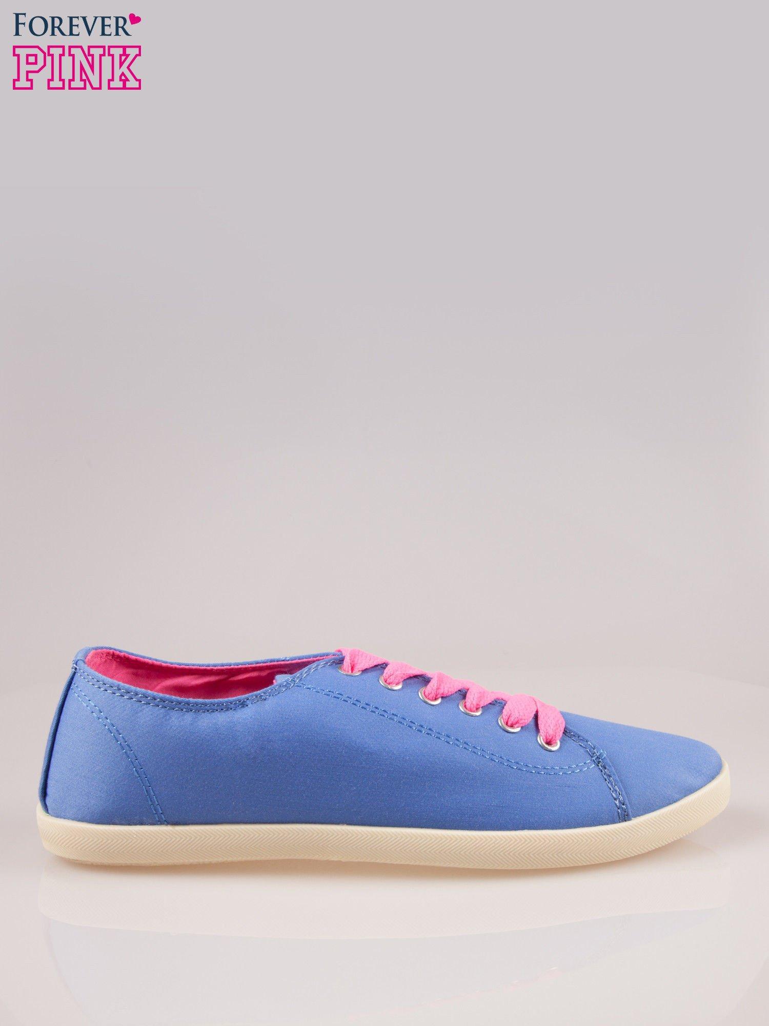 Niebieskie tenisówki damskie z różowymi sznurówkami                                  zdj.                                  1