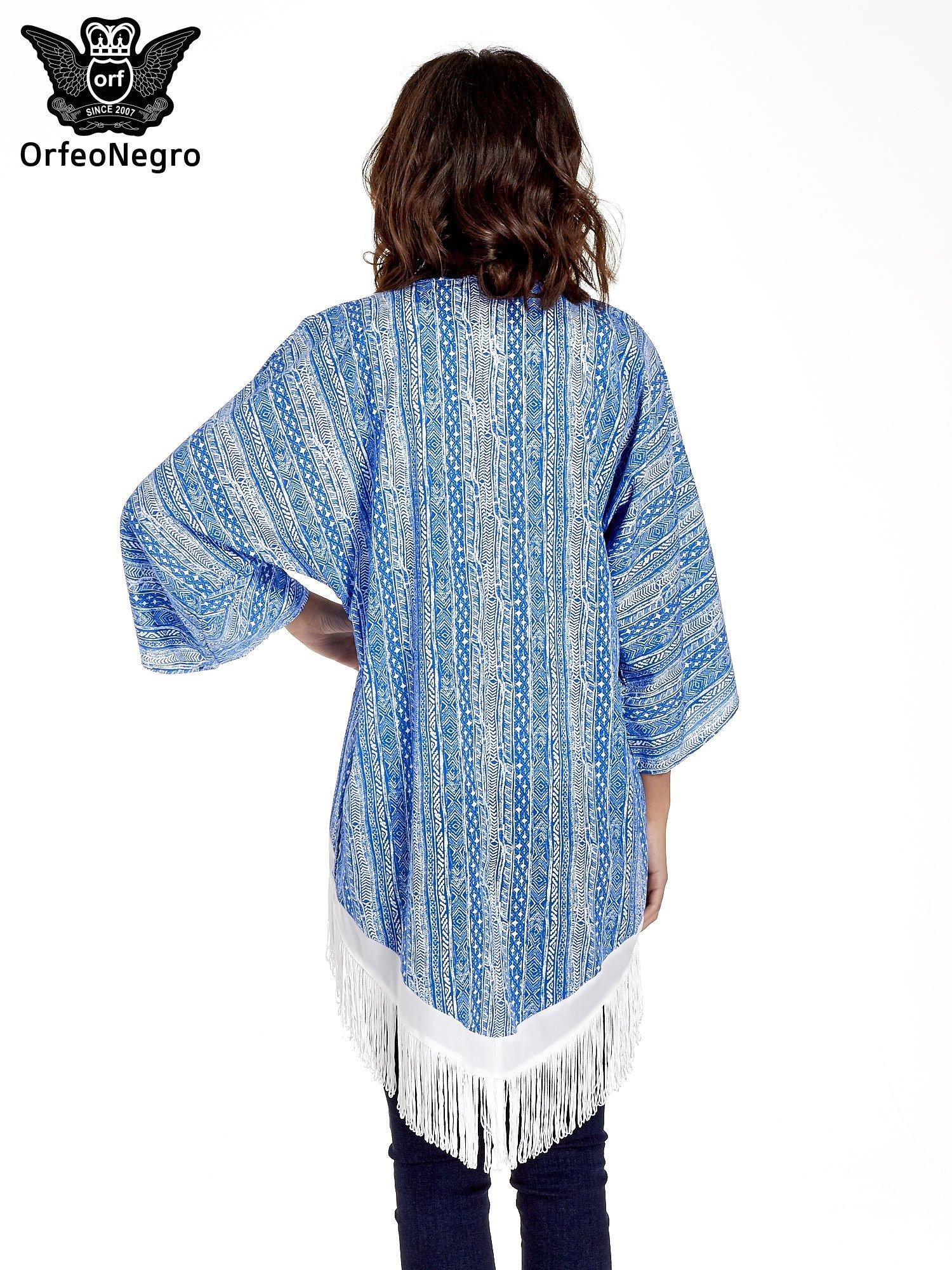 Niebieskie wzorzyste kimono z frędzlami w stylu boho                                  zdj.                                  6