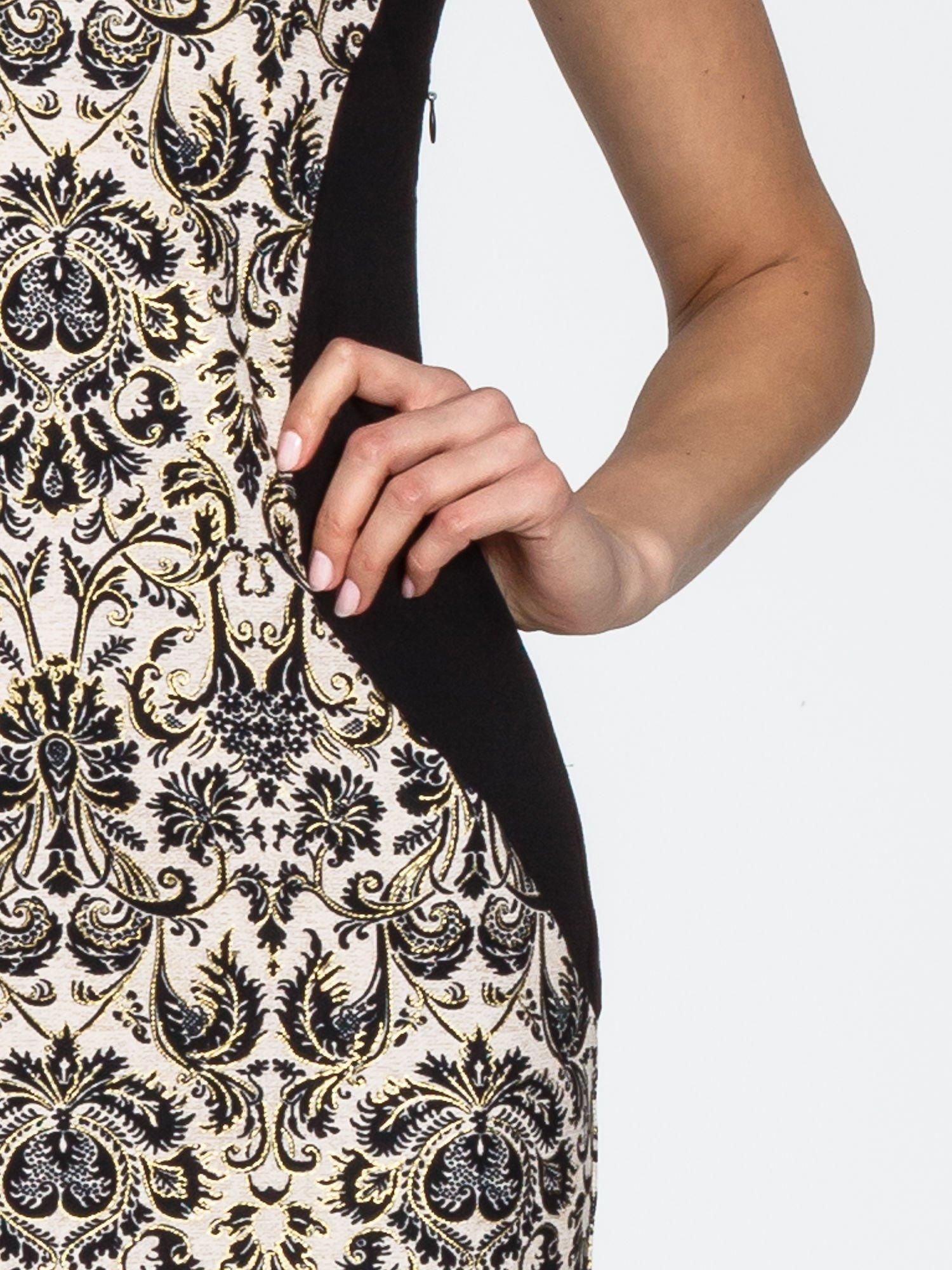 Ornamentowa sukienka z czarnymi modułami                                  zdj.                                  6