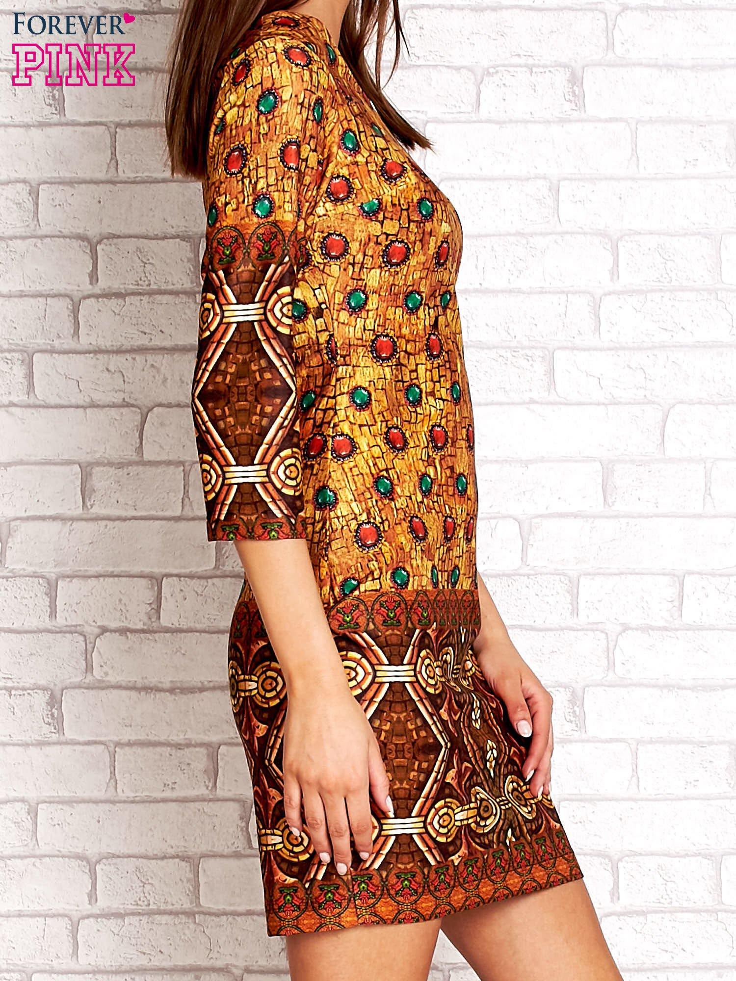 Pomarańczowa sukienka z folkowym nadrukiem                                  zdj.                                  3