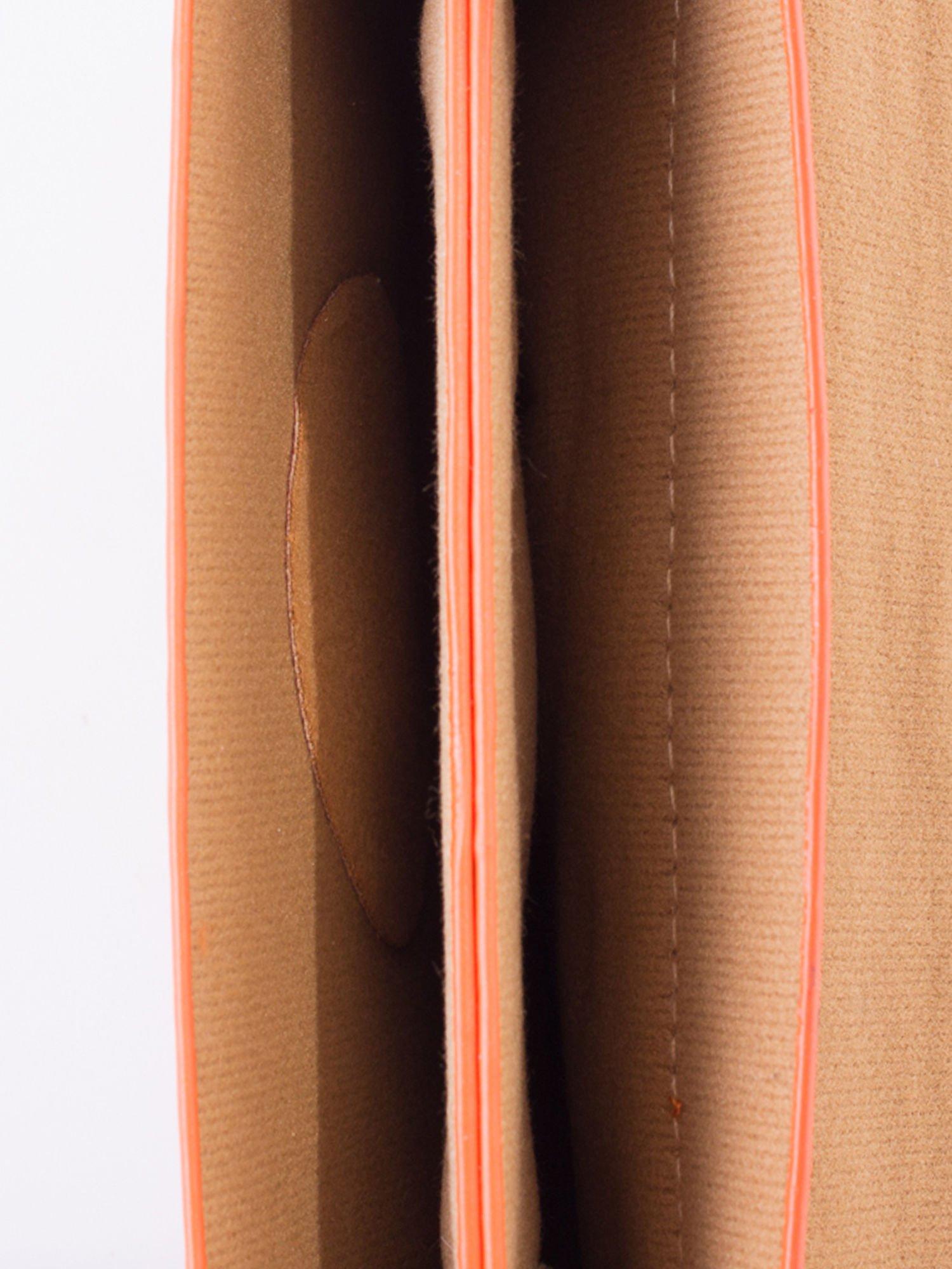 Pomaranczowa torebka listonoszka z klapką                                  zdj.                                  5