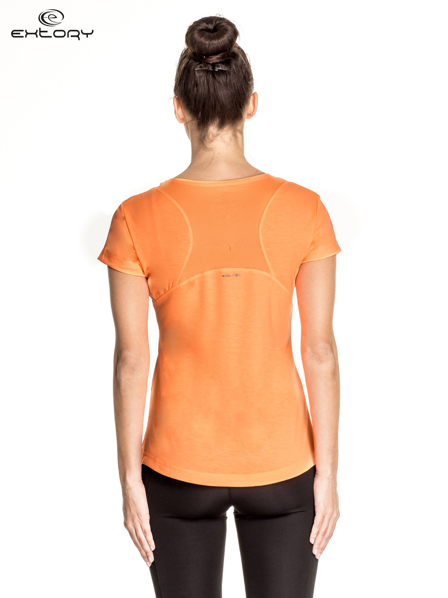 Pomarańczowy damski t-shirt sportowy z kieszonką                                  zdj.                                  4