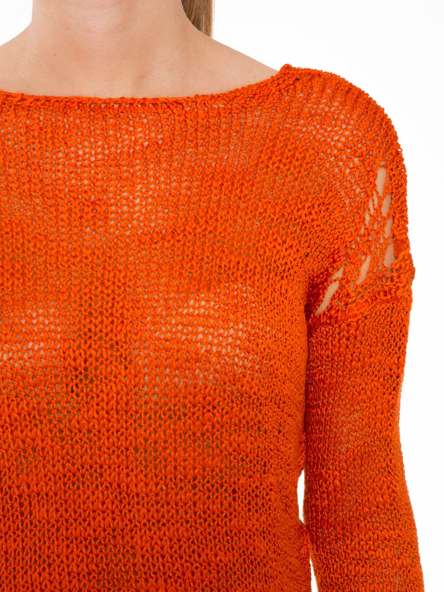 Pomarańczowy sweter z oczkami przy ramionach                                  zdj.                                  5