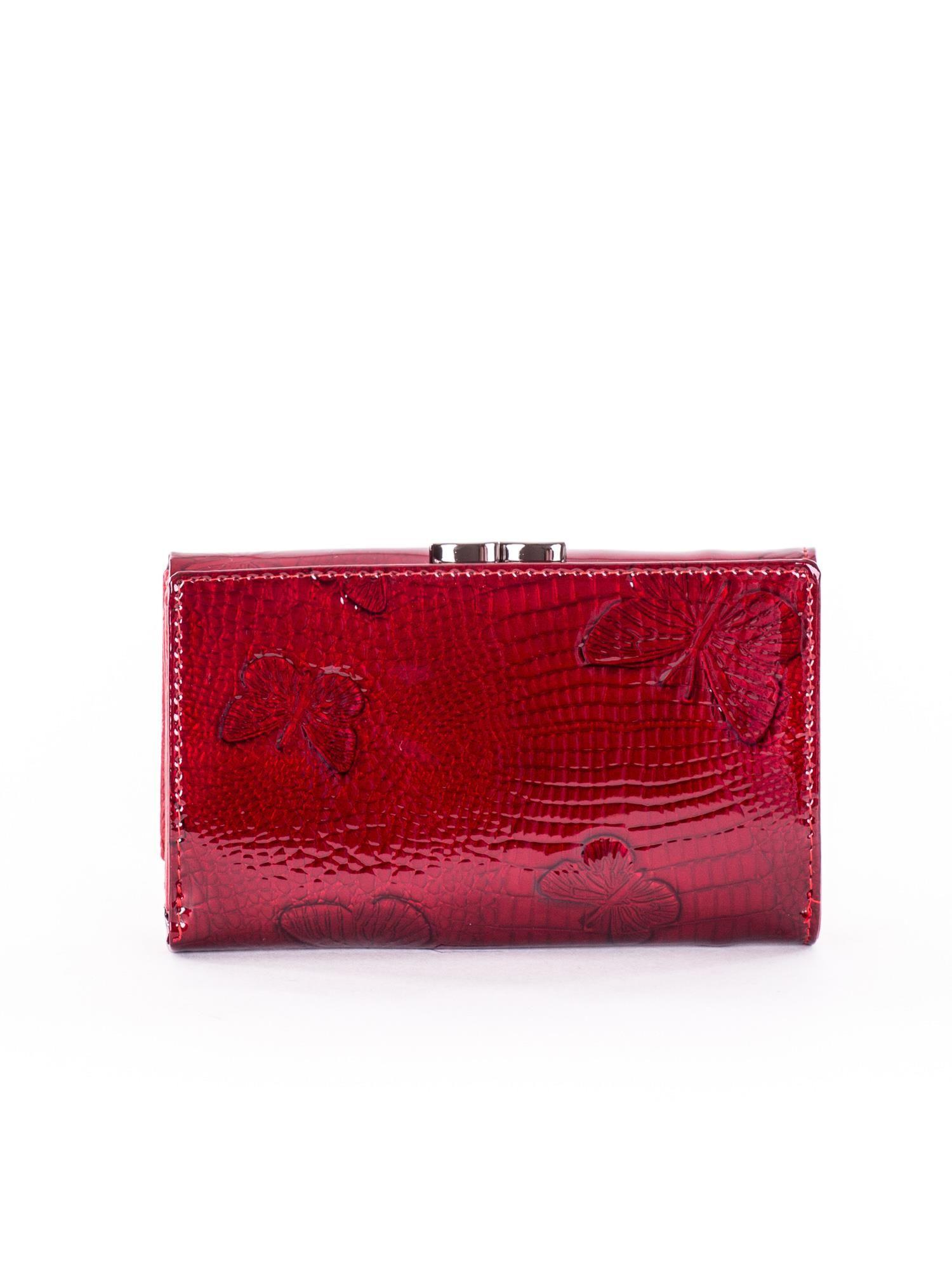 3141cfc5d317b Portfel damski czerwony z motylami - Akcesoria portfele - sklep ...