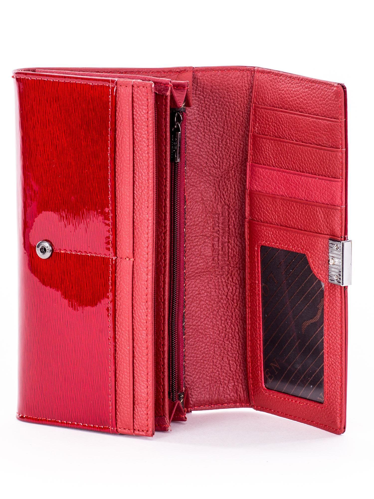 48015e4bd3db0 Portfel damski lakierowany czerwony z kryształkami - Akcesoria ...