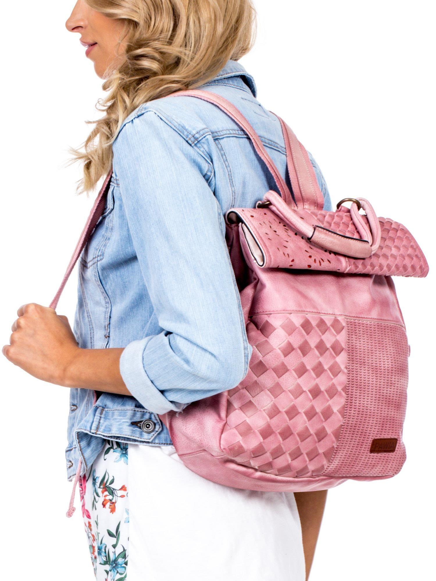 fbac3cce035da 1; Pudroworóżowy plecak damski z eko skóry z plecionką i ażurowaniem ...