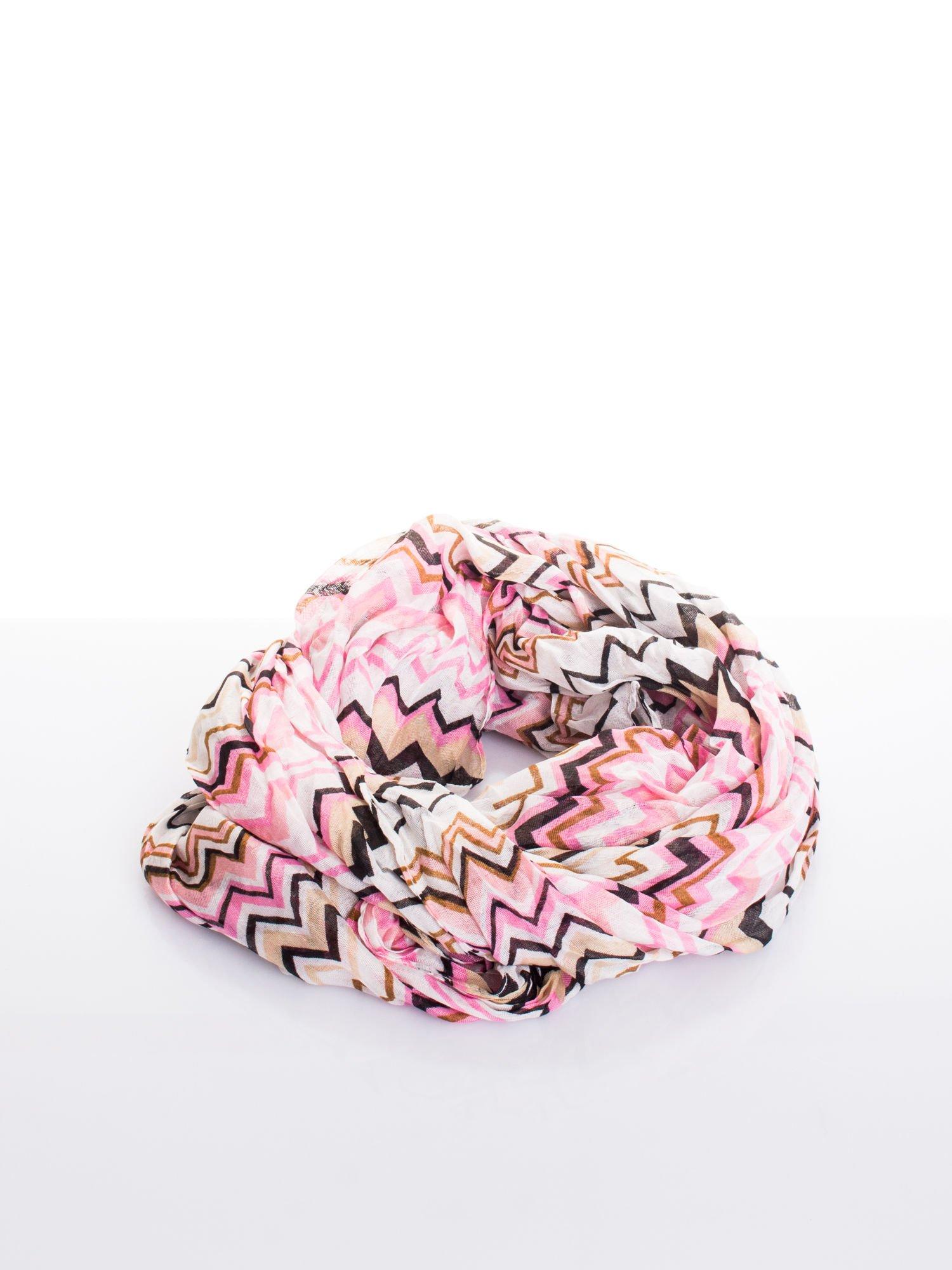 Różowa chusta w zygzaki                                  zdj.                                  2