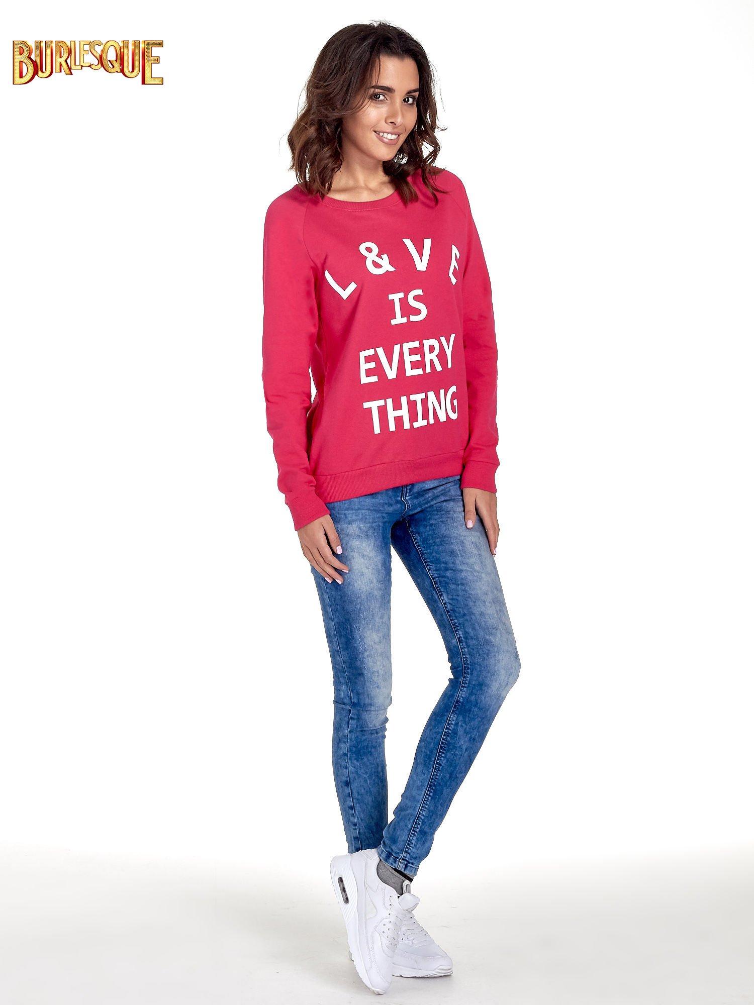 Różowa klasyczna damska bluza z napisem LOVE IS EVERYTHING                                  zdj.                                  2