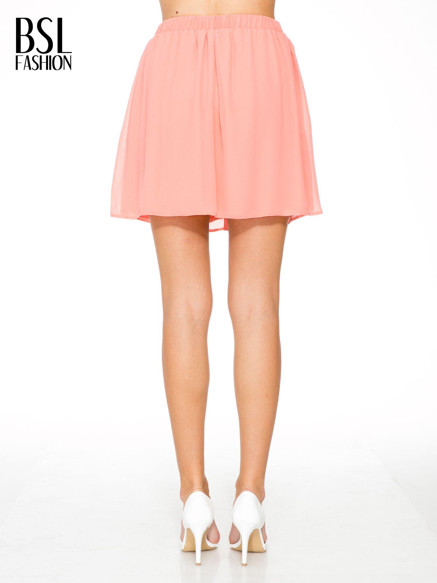Różowa mini spódnica zapinana z przodu  na rząd guzików                                  zdj.                                  4