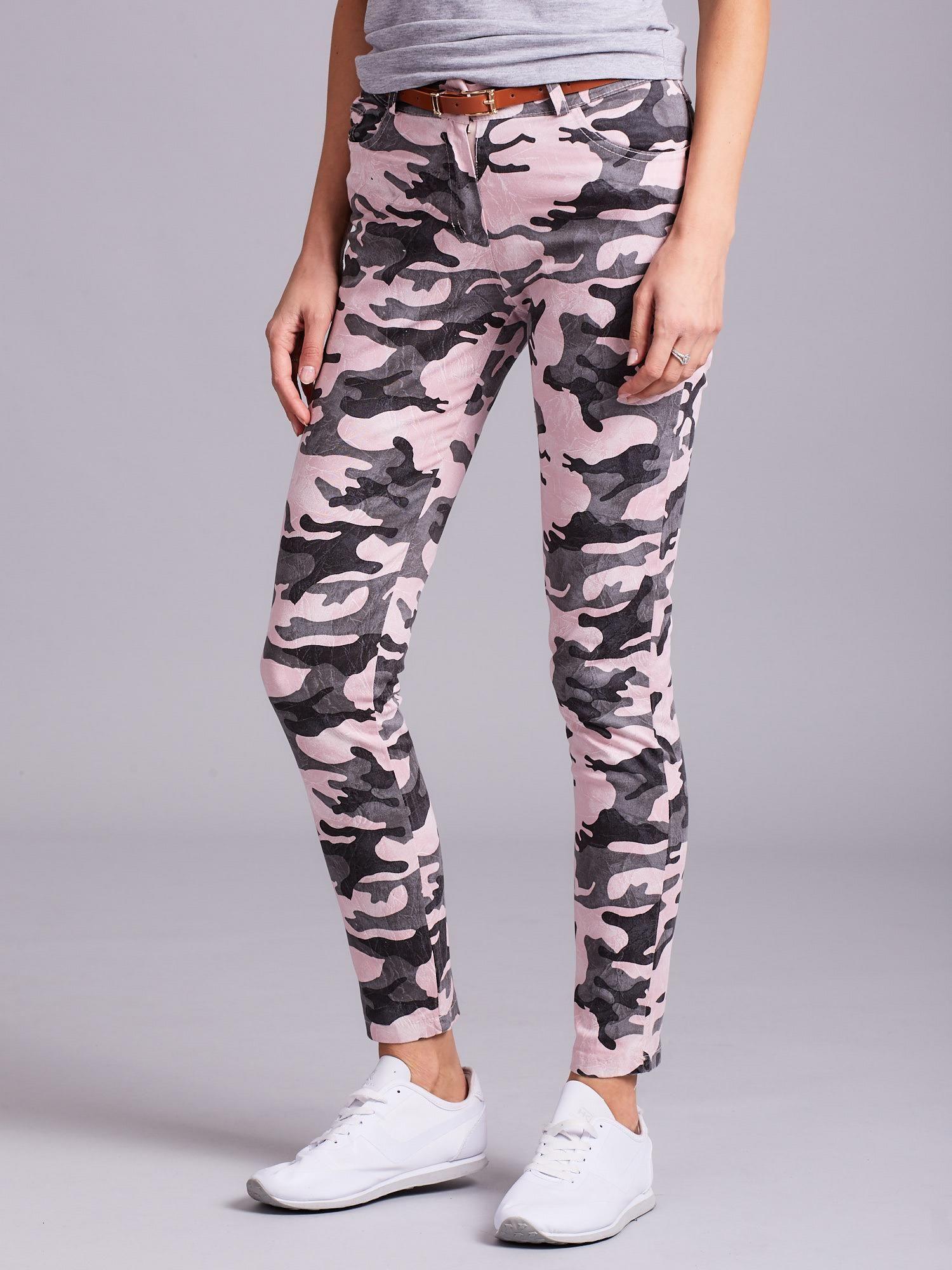 f021c1d578afd4 Różowe damskie spodnie moro - Spodnie z materiału - sklep eButik.pl