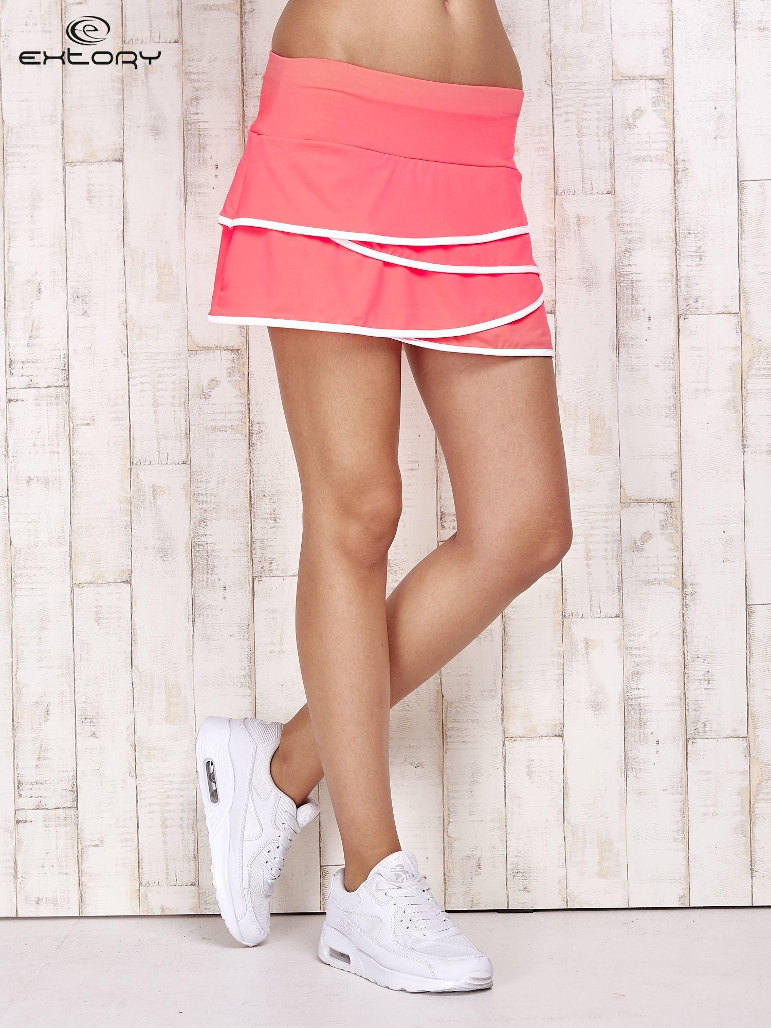 Różowo-białe spodenki spódniczka tenisowa z falbanką                                  zdj.                                  1