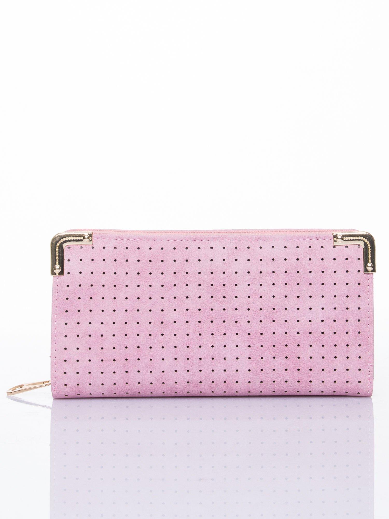 Różowy ażurowany portfel ze złotymi okuciami                                  zdj.                                  1