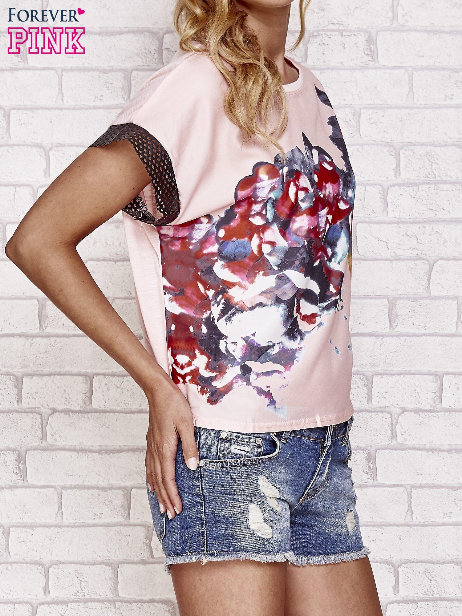 Różowy kwiatowy t-shirt ze skórzanymi rękawami                                  zdj.                                  3