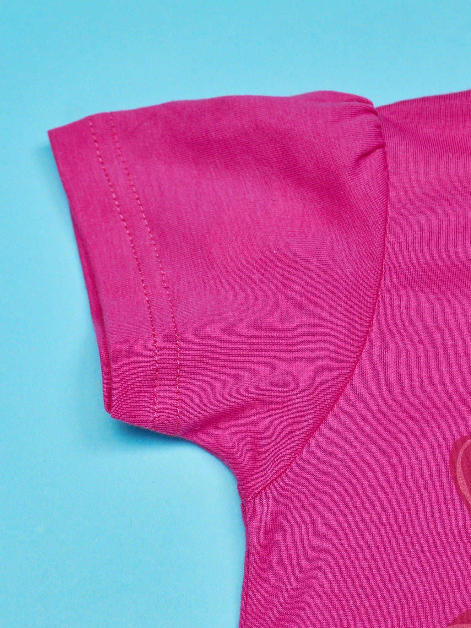 Różowy t-shirt dla dziewczynki z motywem HELLO KITTY                                  zdj.                                  3