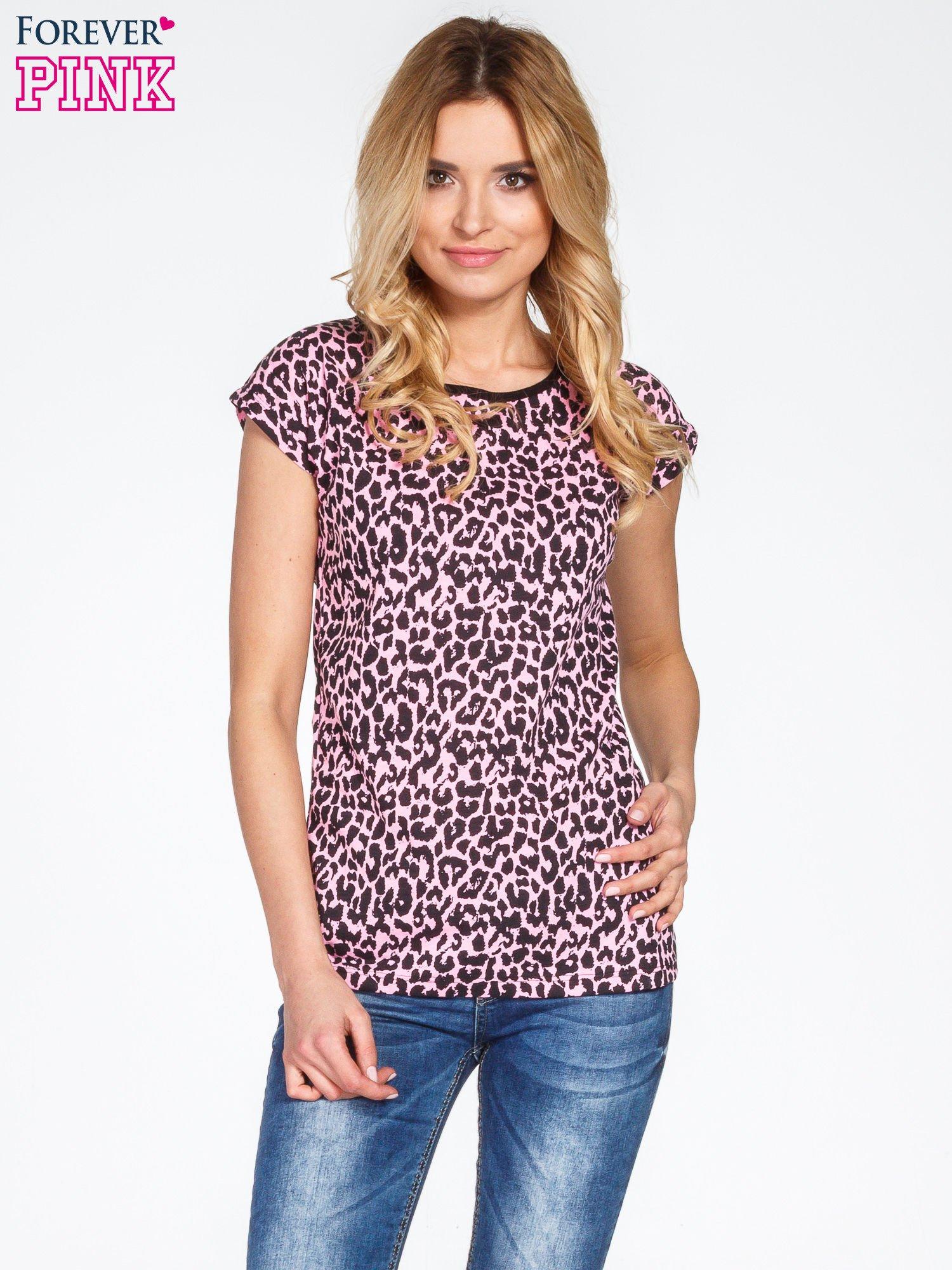 Różowy t-shirt w panterkę                                  zdj.                                  1