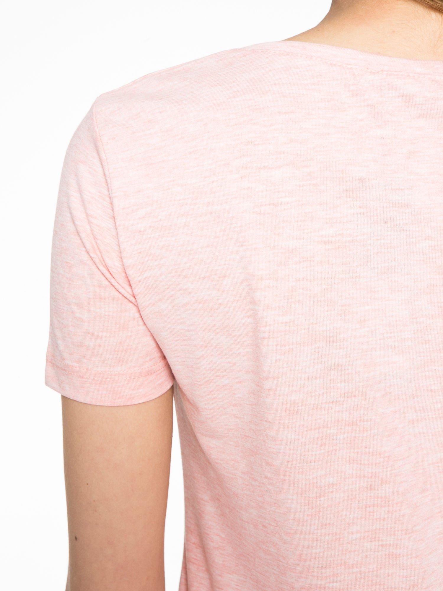 Różowy t-shirt z napisem THE FREAK IS CHIC                                  zdj.                                  9
