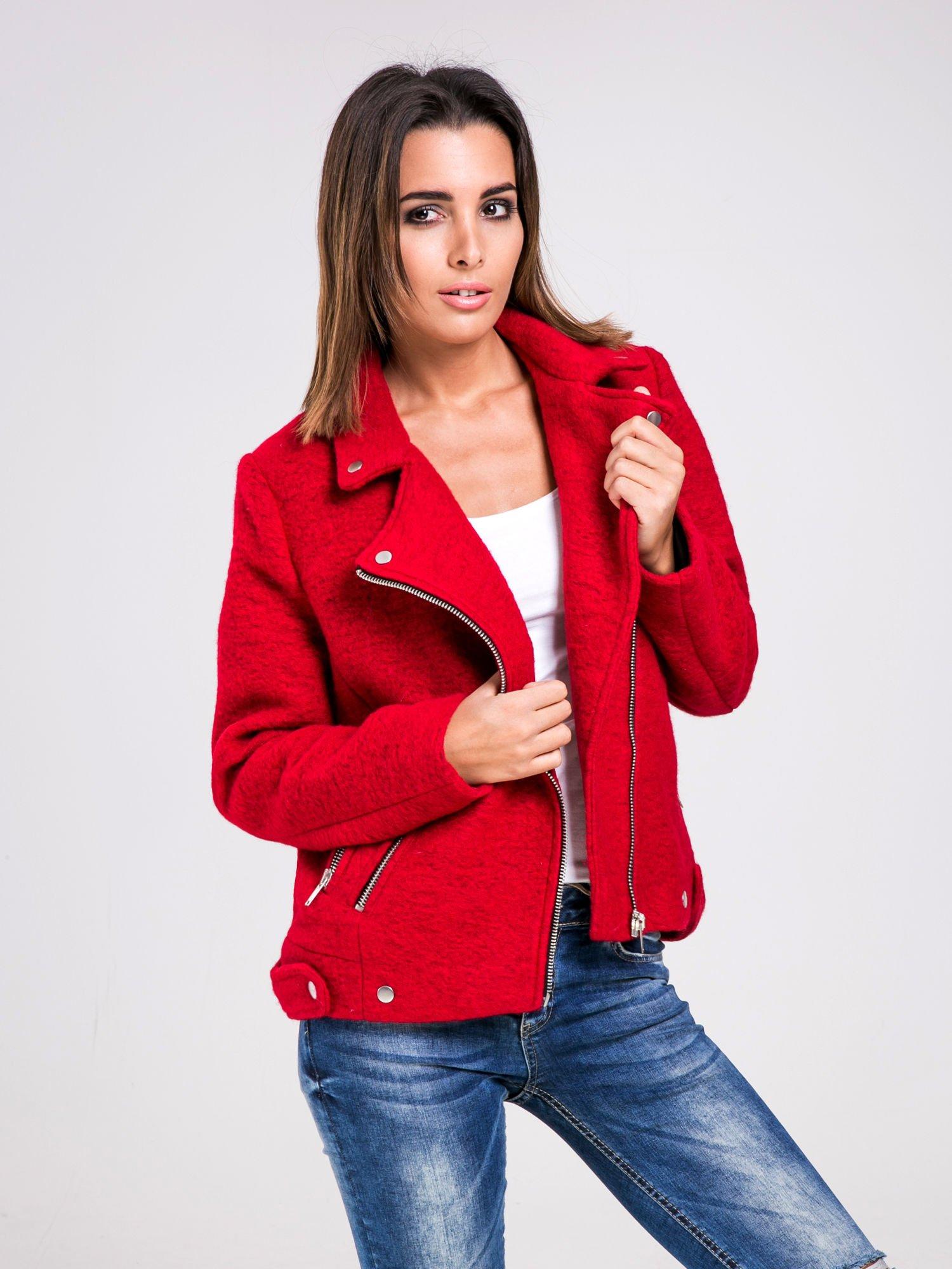 8cdb7cda19350 STRADIVARIUS Czerwona kurtka typu biker jacket z dzianiny - Kurtka ...