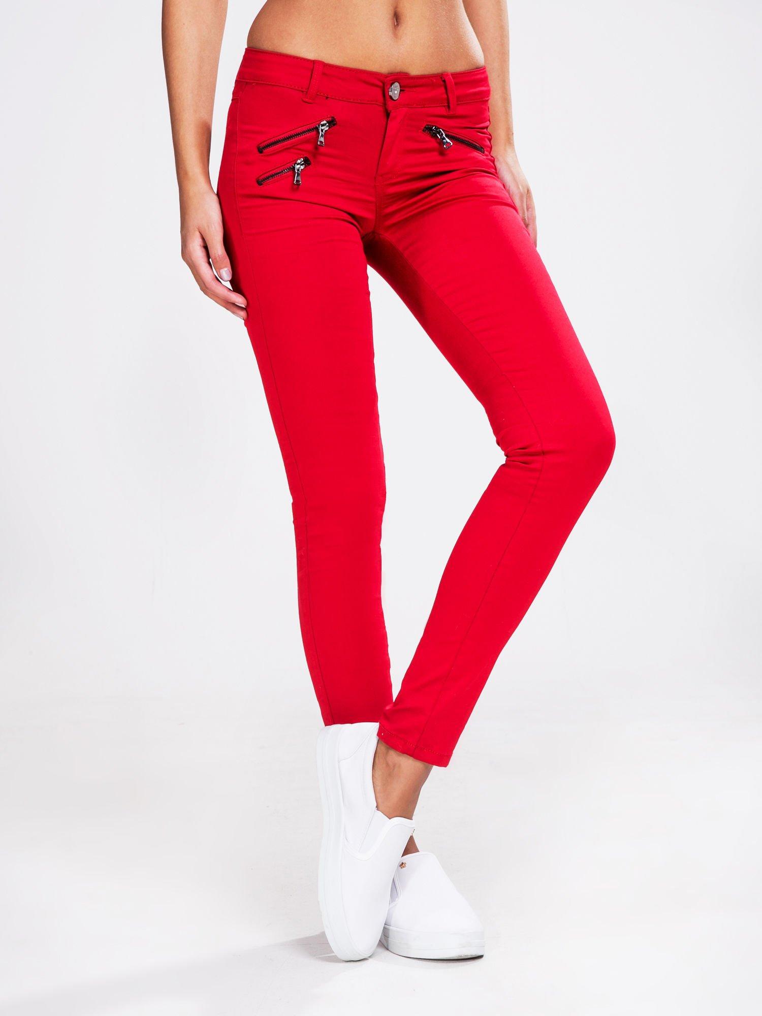 0db068183066 STRADIVARIUS Czerwone spodnie rurki z suwakami - Spodnie z materiału ...
