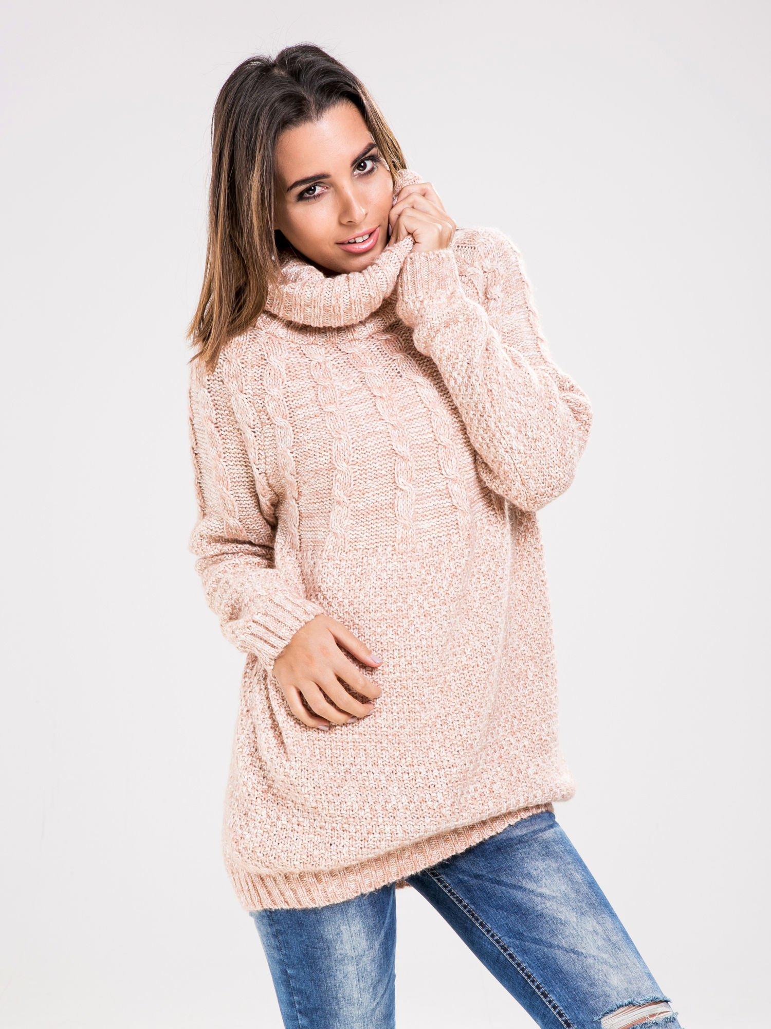 STRADIVARIUS Pasteloworóżowy sweter z obszernym golfem                                  zdj.                                  1