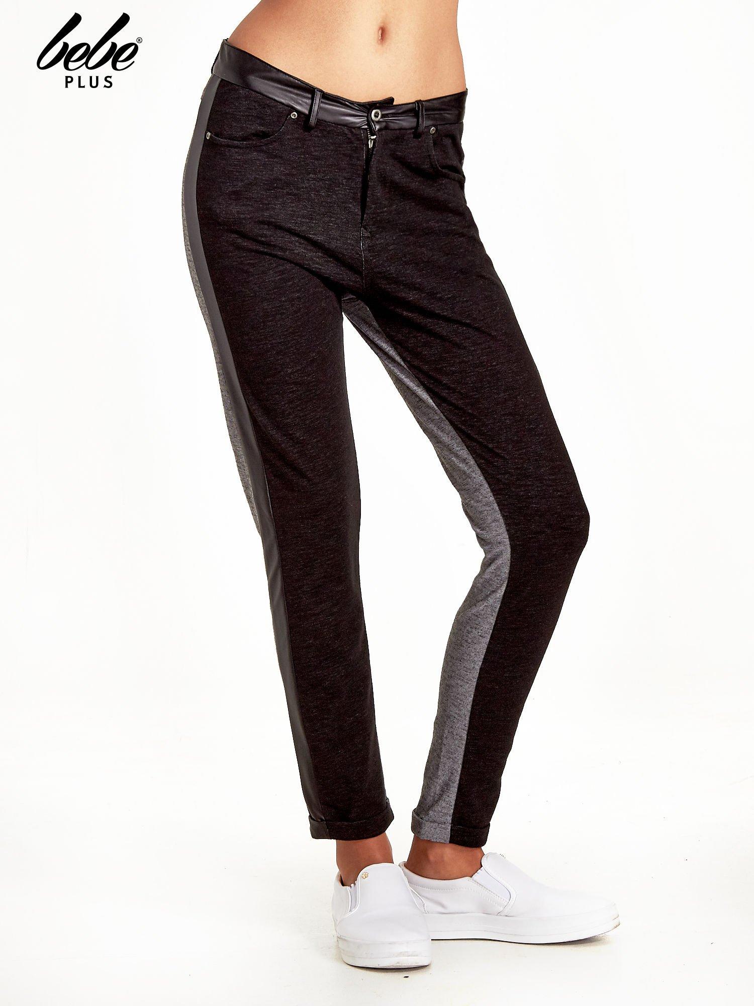 Spodnie two tone ze skórzanymi wstawkami                                  zdj.                                  1