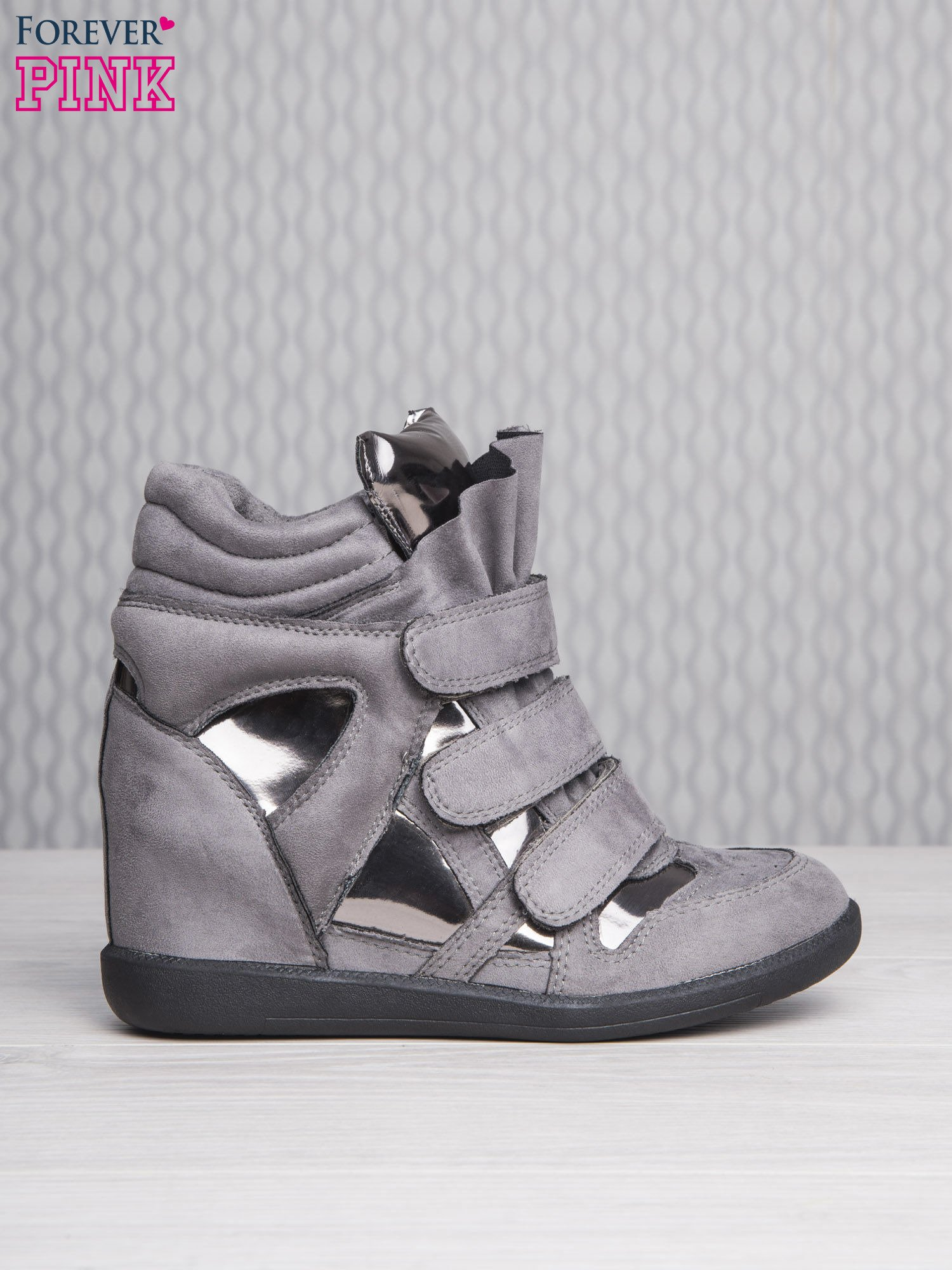 Srebrne zamszowe sneakersy damskie na rzepy Verity z lustrzanymi wstawkami                                  zdj.                                  2
