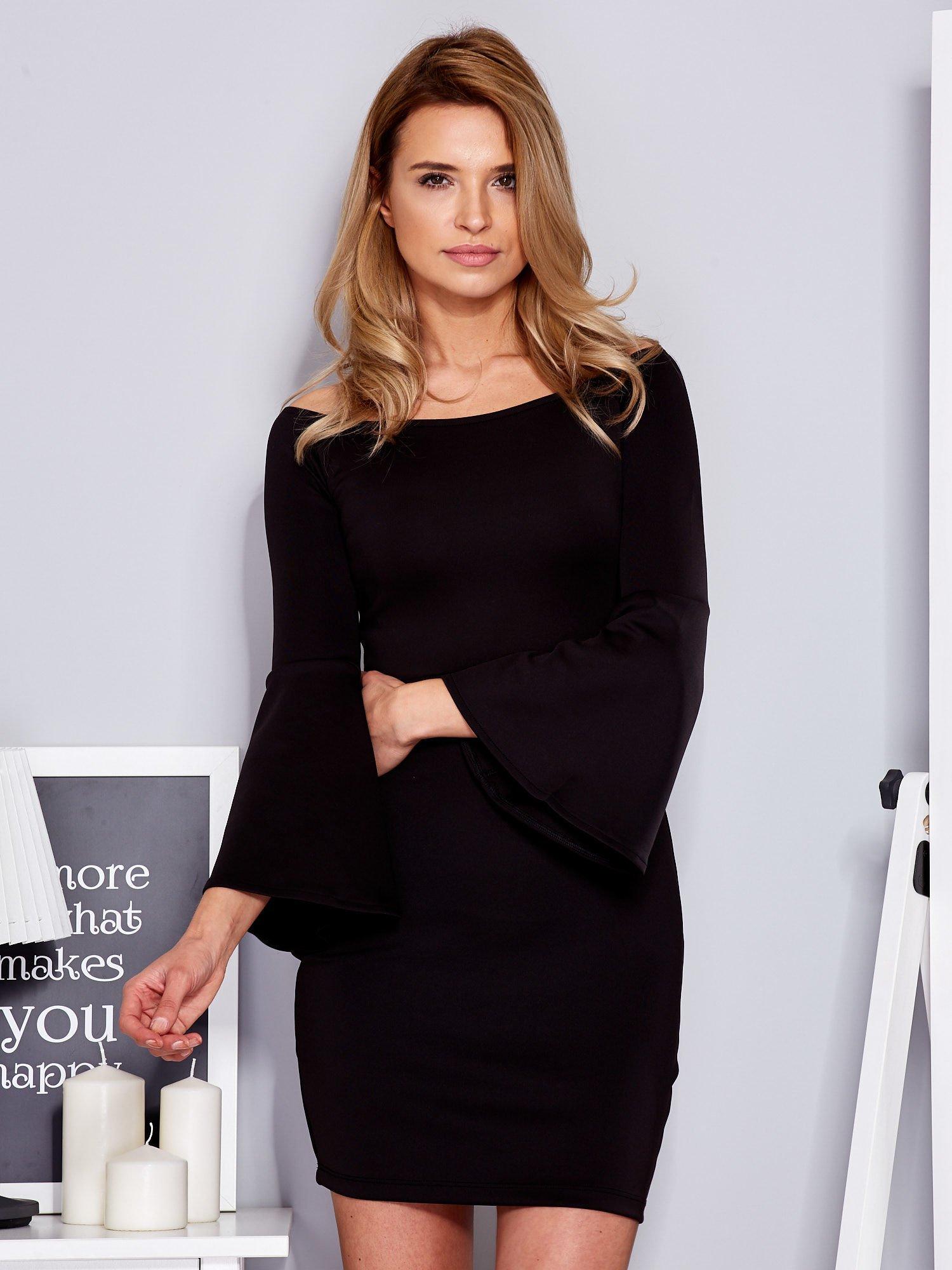 ed8492a6e5fe05 Sukienka czarna z szerokimi rękawami - Sukienka koktajlowa - sklep ...