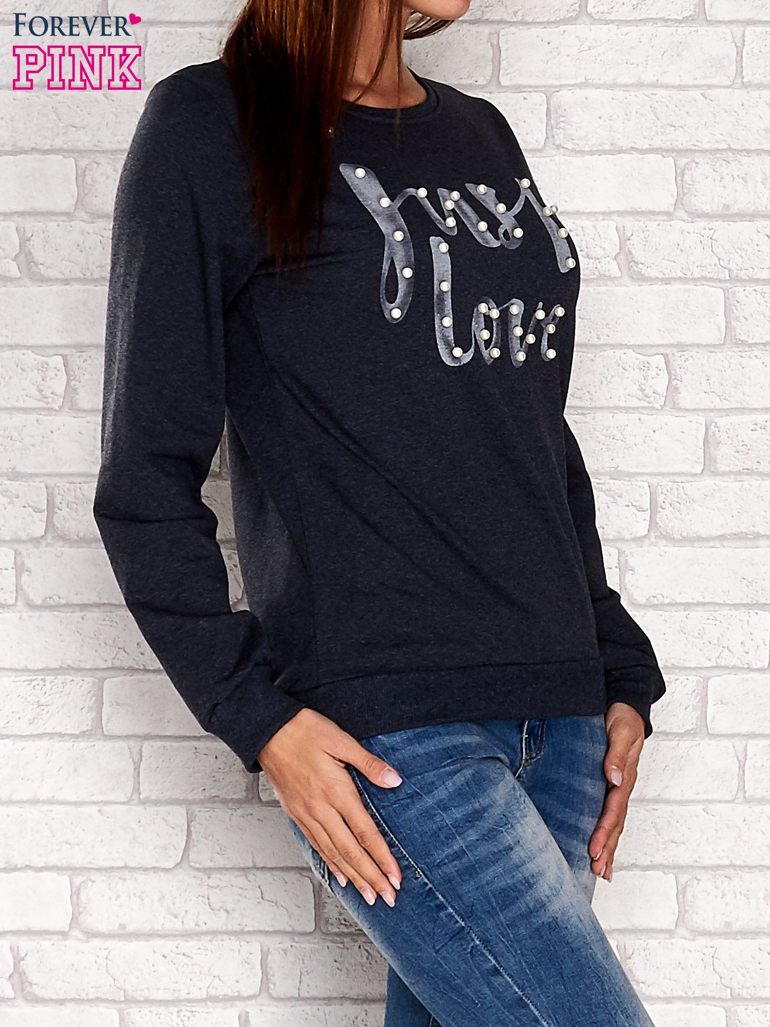 Szara bluza z napisem JUST LOVE i perełkami                                  zdj.                                  2