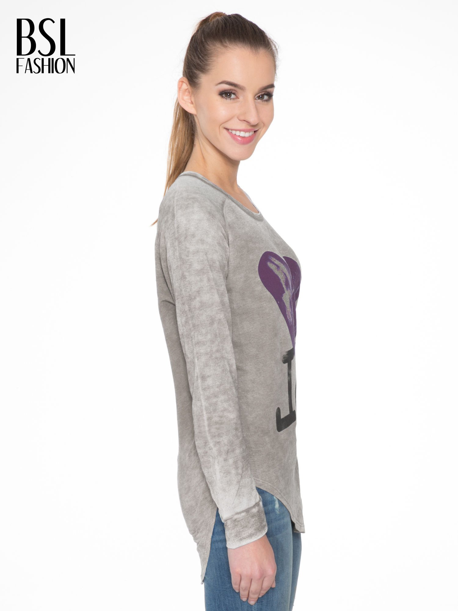 Szara bluzka z nadrukiem I LOVE BSL i efektem sprania                                  zdj.                                  3