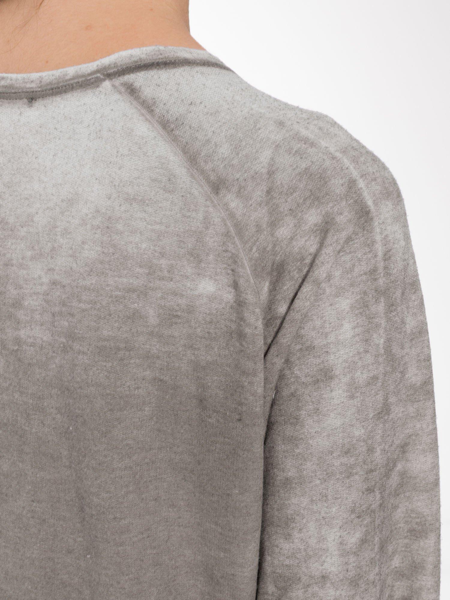 Szara bluzka z nadrukiem I LOVE BSL i efektem sprania                                  zdj.                                  7