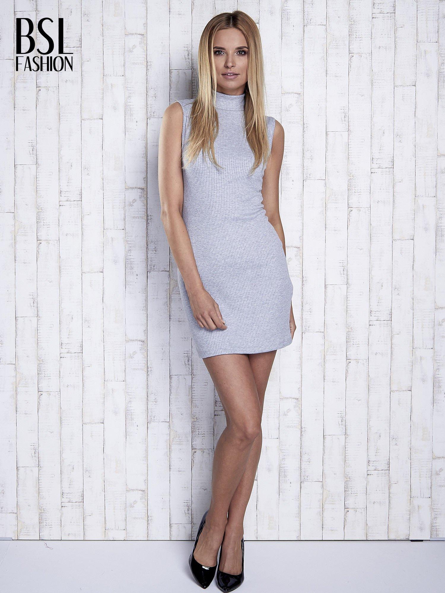 Szara dopasowana sukienka z golfem                                  zdj.                                  2