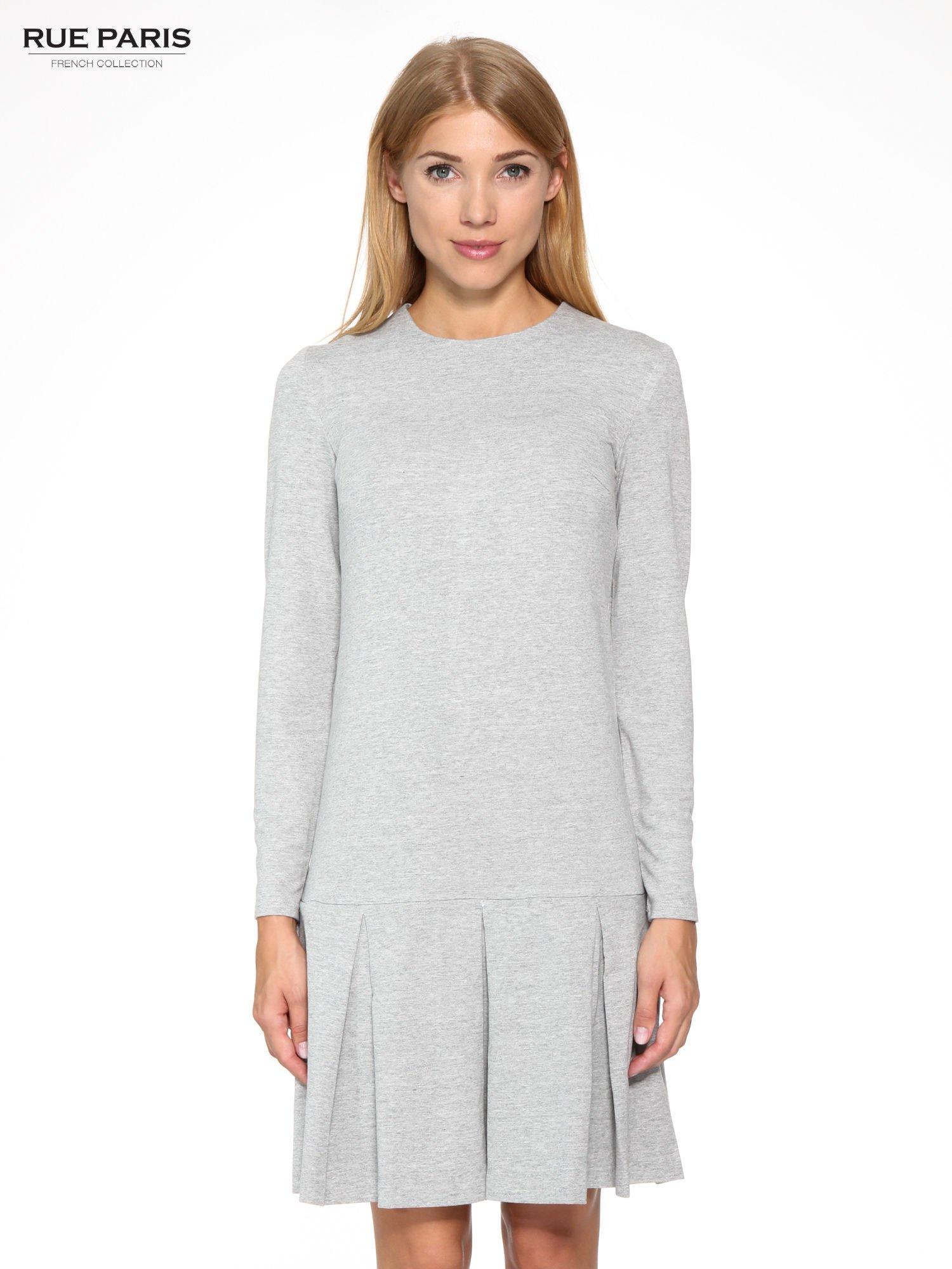 Szara dresowa sukienka z obniżoną talią i kontrafałdami                                  zdj.                                  1
