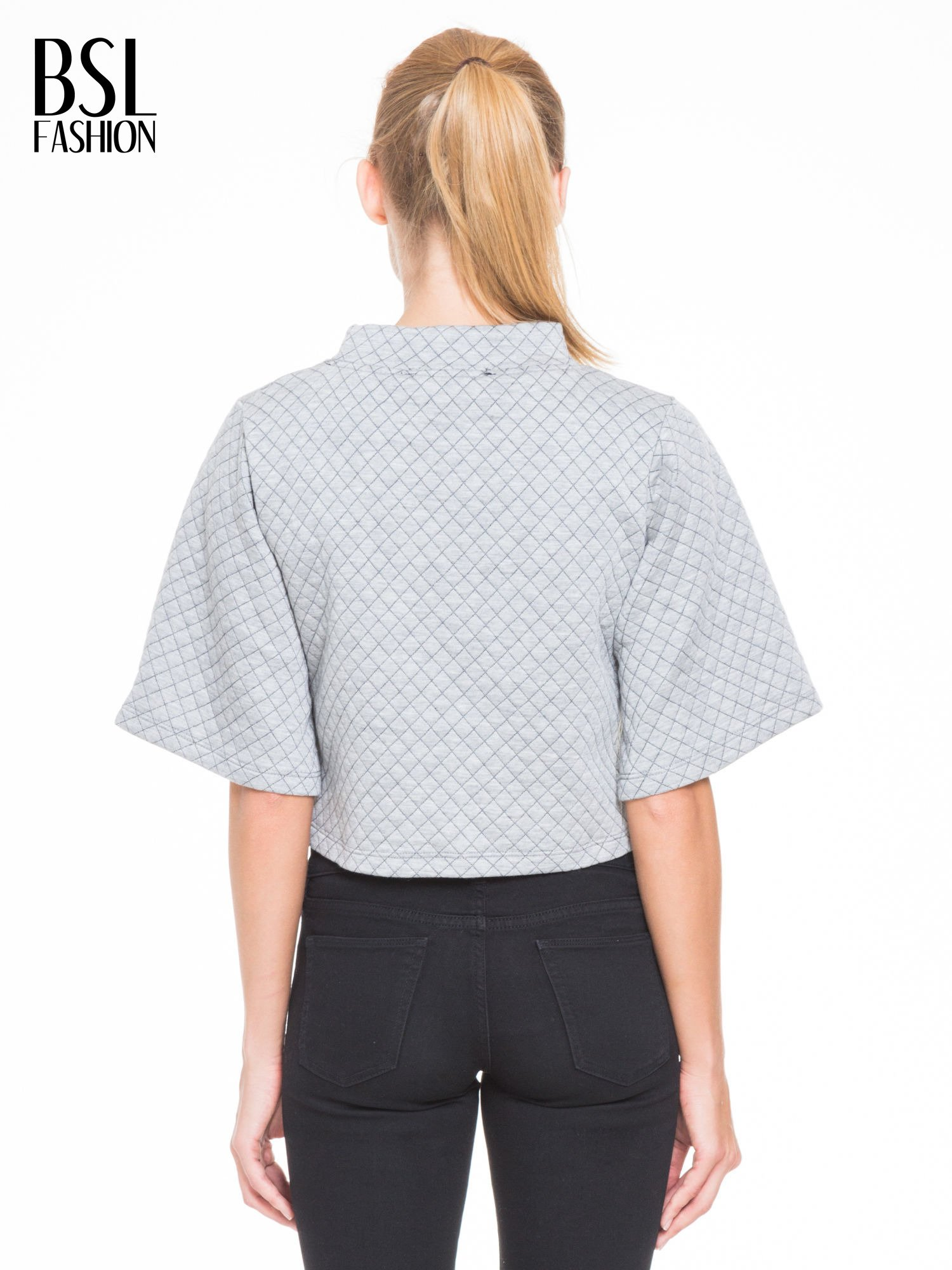 Szara kraciasta bluzka z kloszowanymi rękawami i półgolfem                                  zdj.                                  4
