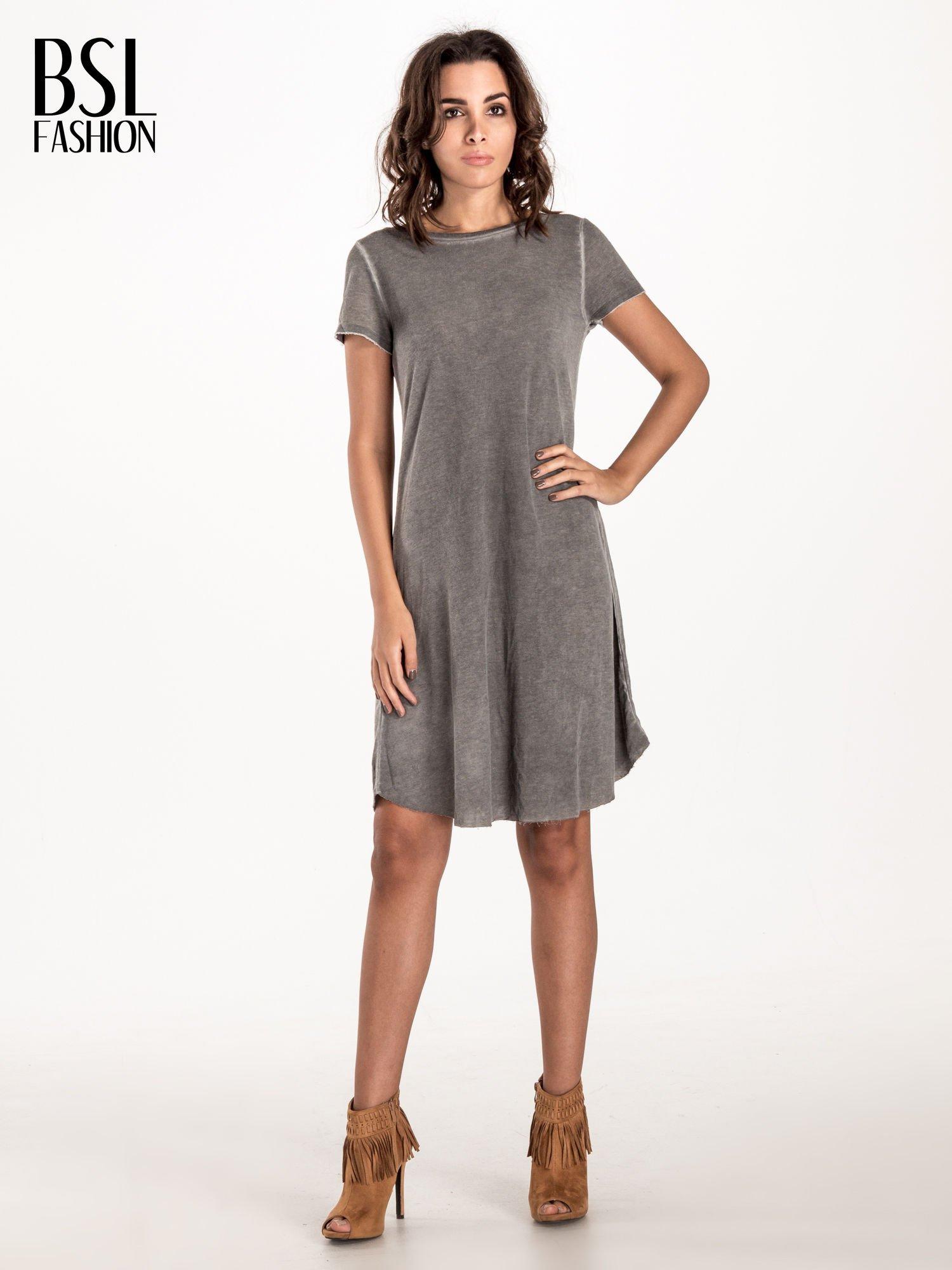 Szara sukienka z surowym wykończeniem                                  zdj.                                  3