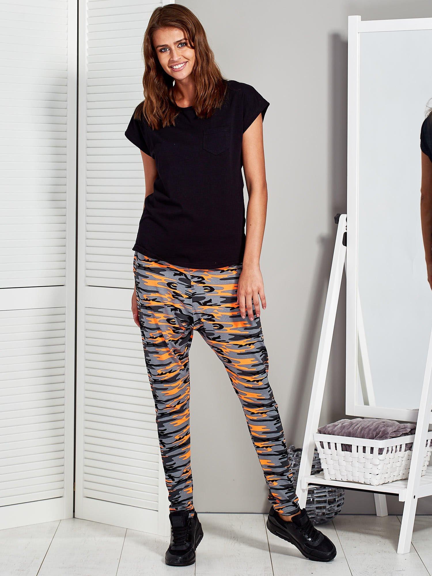 545e4578580edc Szaro-pomarańczowe spodnie dresowe moro - Spodnie Dresowe - sklep ...
