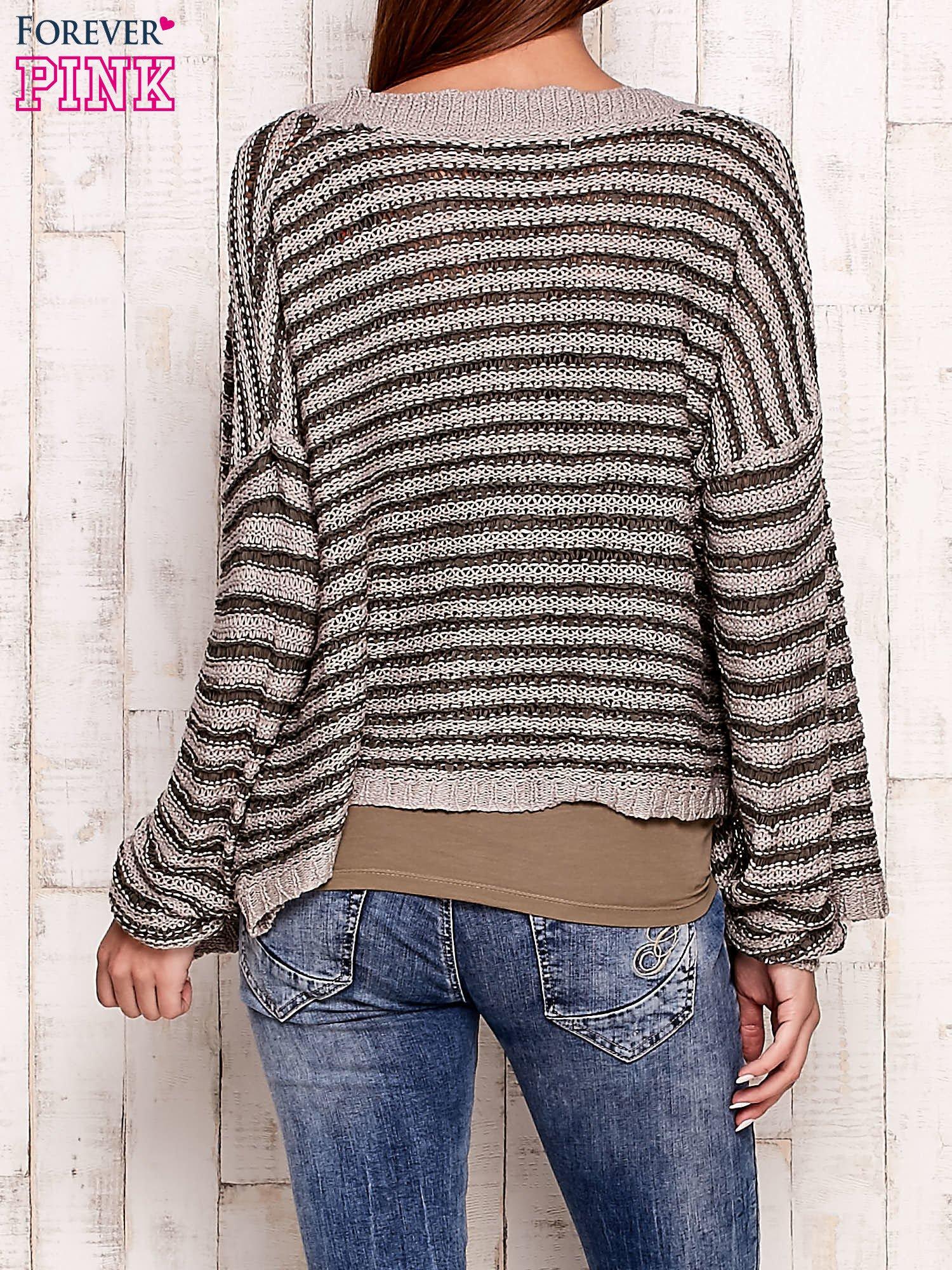 Szaro-zielony otwarty sweter w paski                                  zdj.                                  4